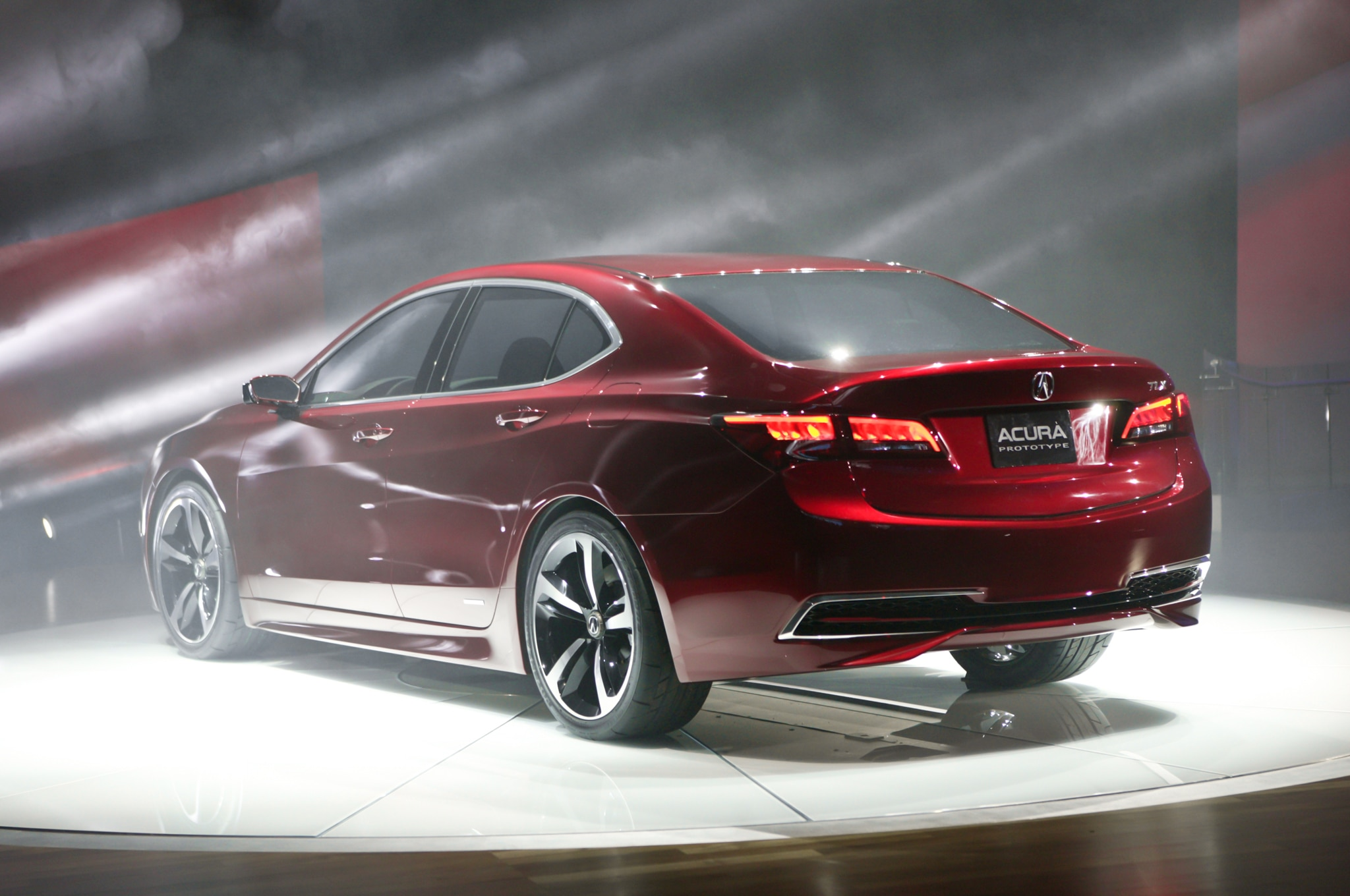 Detroit 2014: Acura TLX Spearheads New Three-Sedan Lineup