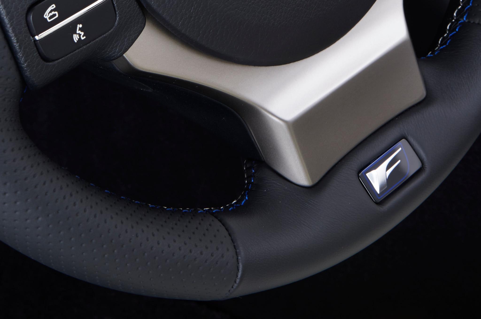 2015 lexus rc f debuts at 2014 detroit auto show. Black Bedroom Furniture Sets. Home Design Ideas