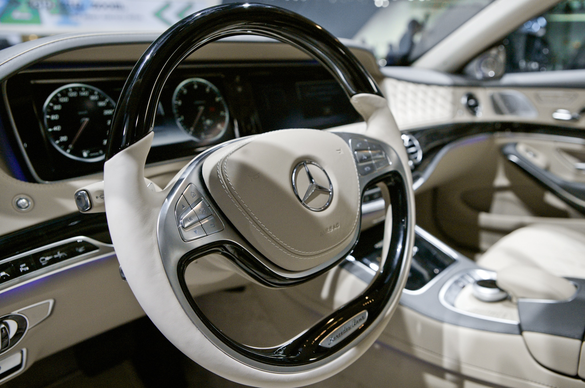 https://st.automobilemag.com/uploads/sites/11/2014/01/2015-Mercedes-Benz-S600-steering-wheel.jpg