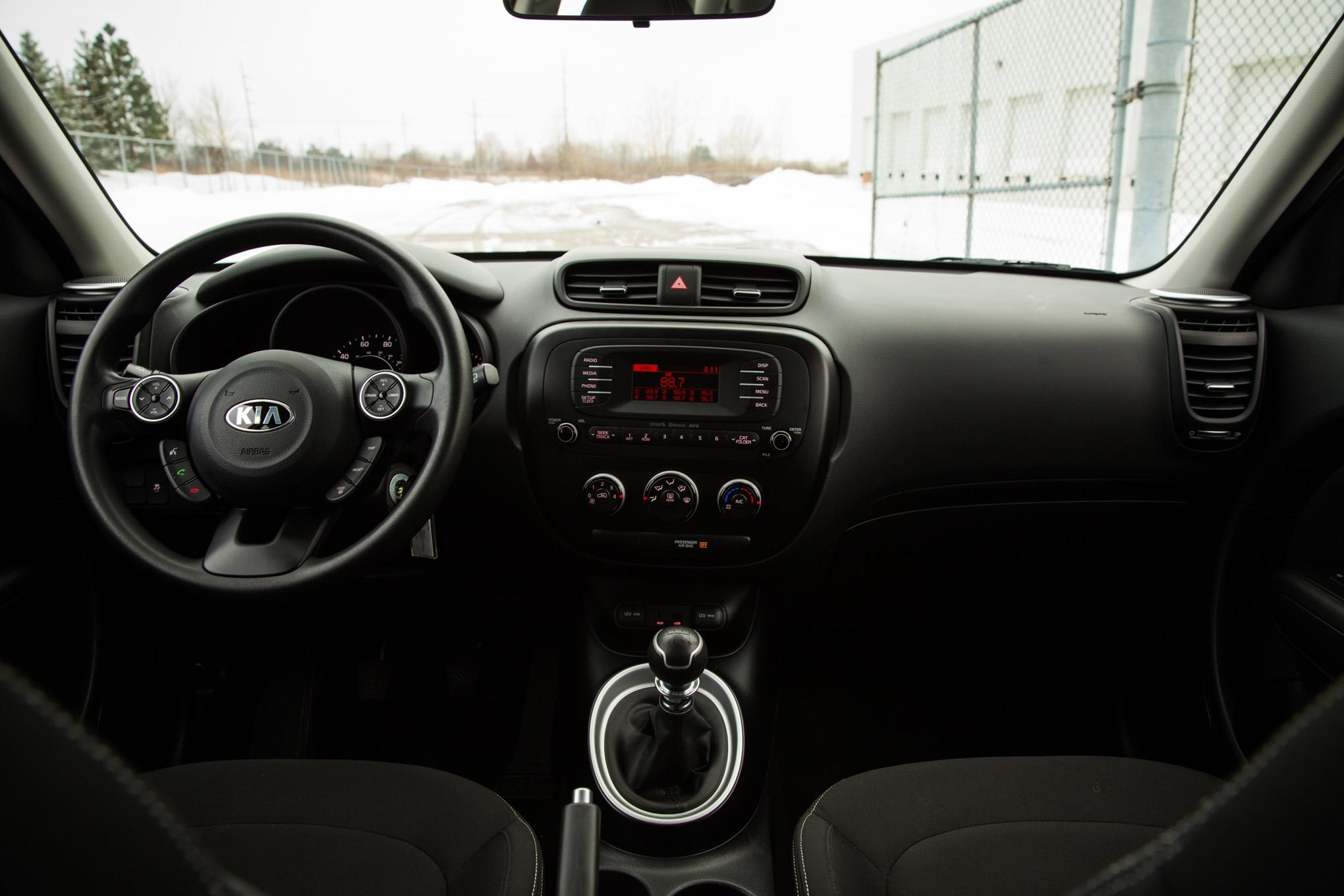 Toyota Corolla Mpg >> 2014 Kia Soul vs 2014 Toyota Corolla - Automobile Magazine