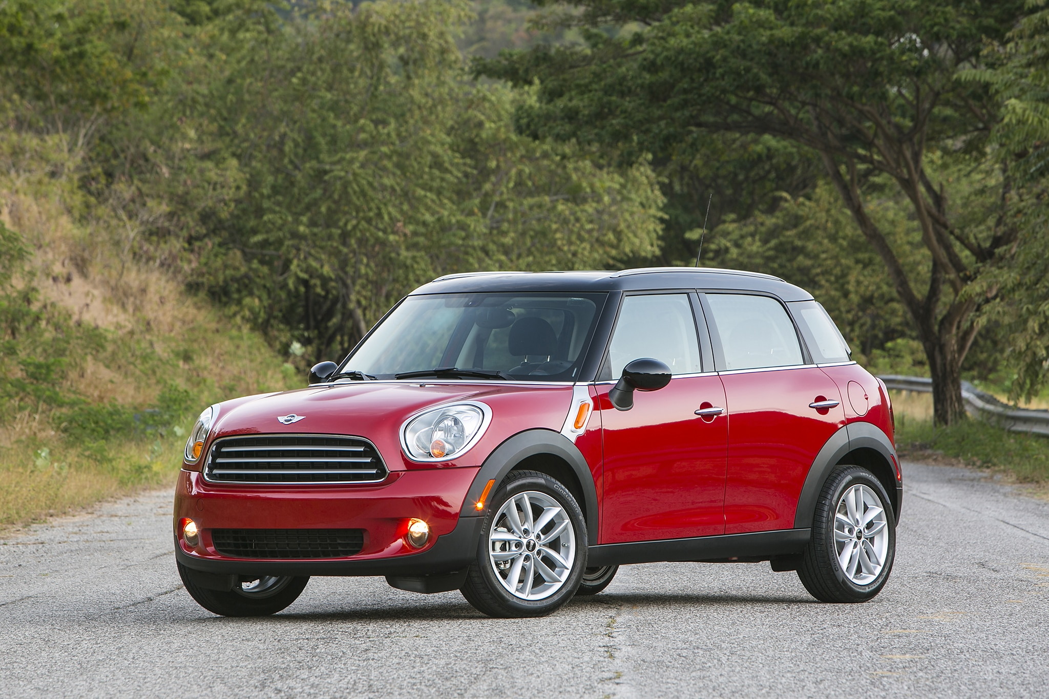 2014 MINI Countryman Front Three Quarters