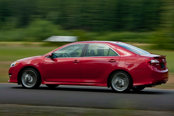 2014 Toyota Camry SE In Motion Side View2