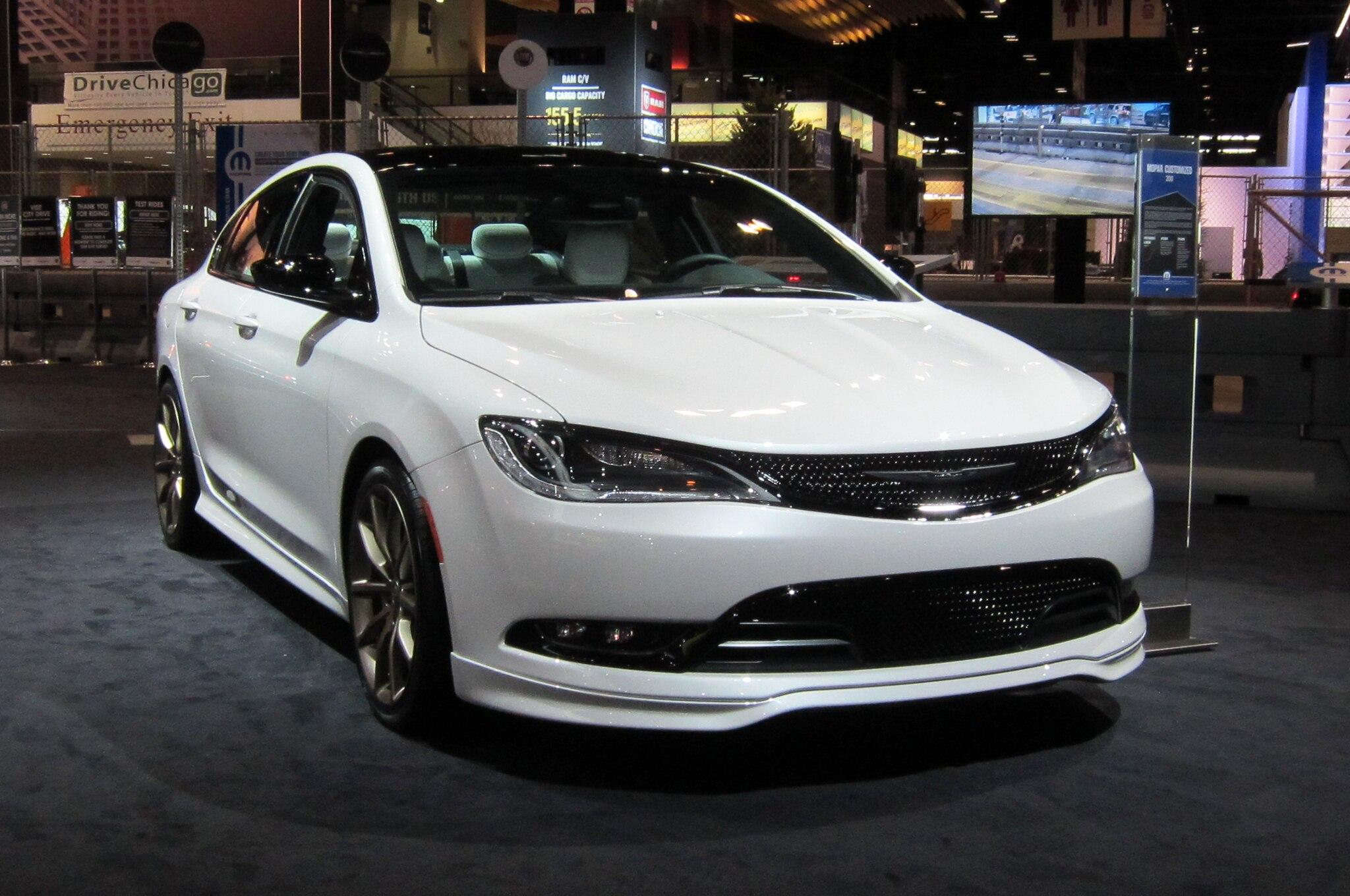 2015 Chrysler 200s Mopar Front Three Quarter1