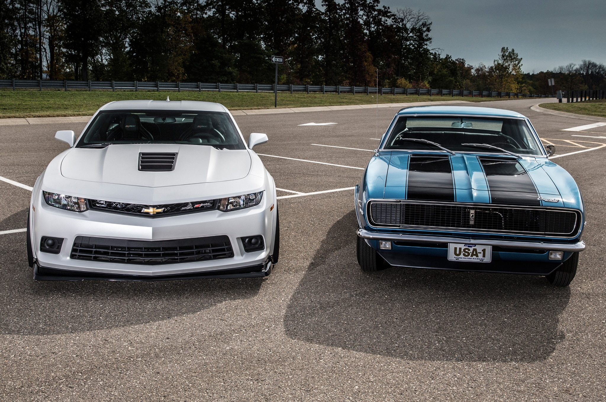 Then Vs Now 2014 Chevrolet Camaro Z 28 Vs 1967 Camaro Z