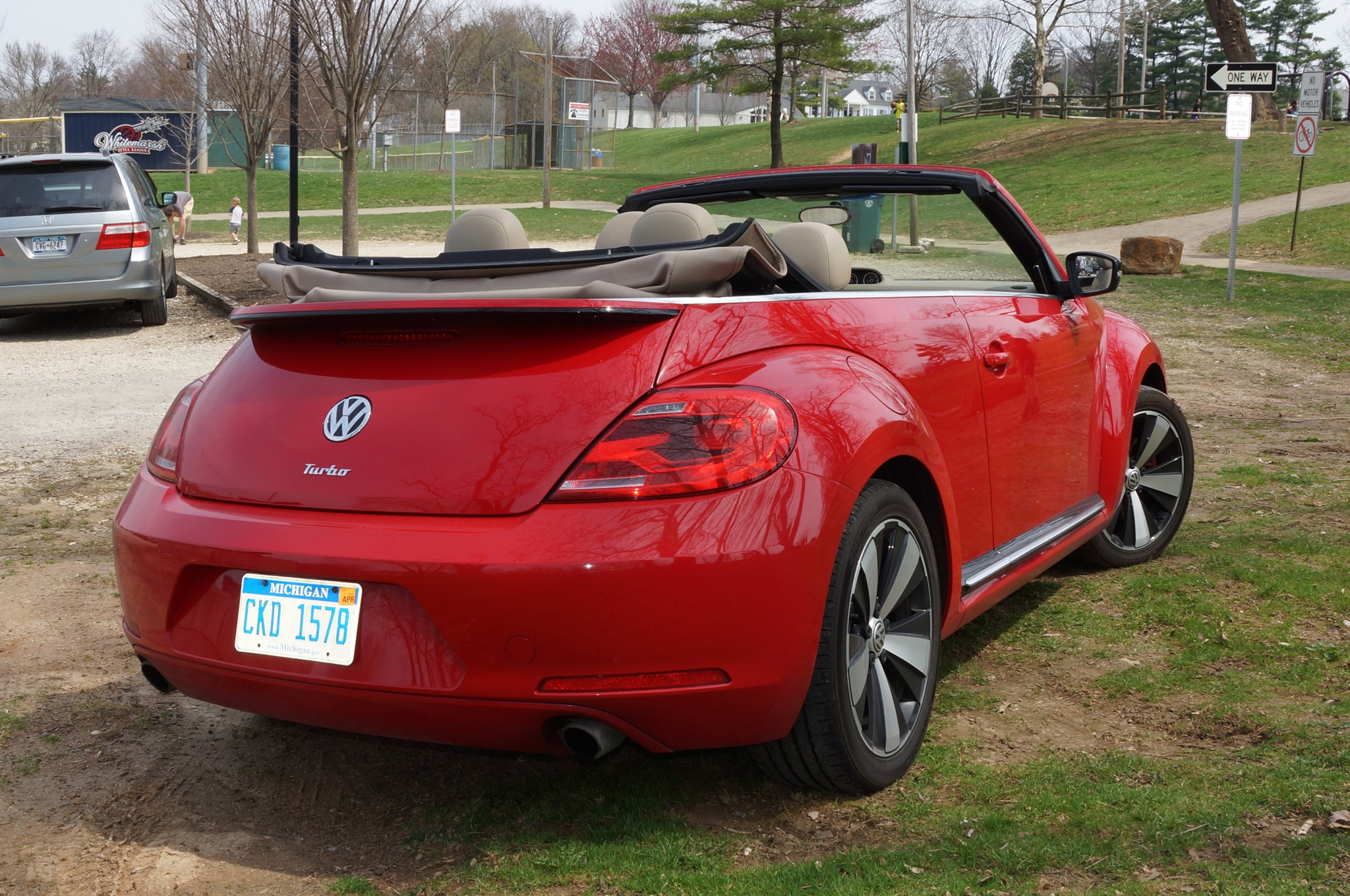 2013 Volkswagen Beetle Turbo Convertible Rear Three Quarters Parked1