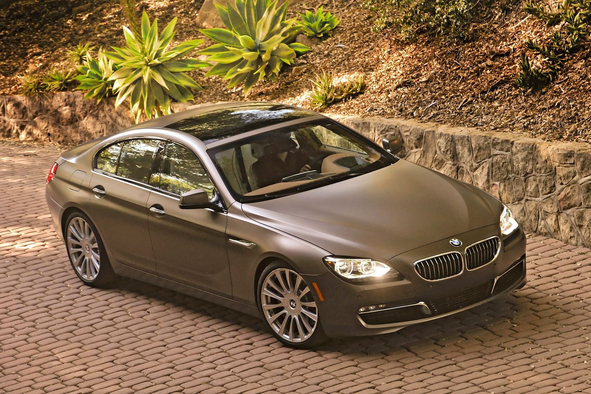 2014 BMW 6 Series Gran Coupe Three Quarters View 41