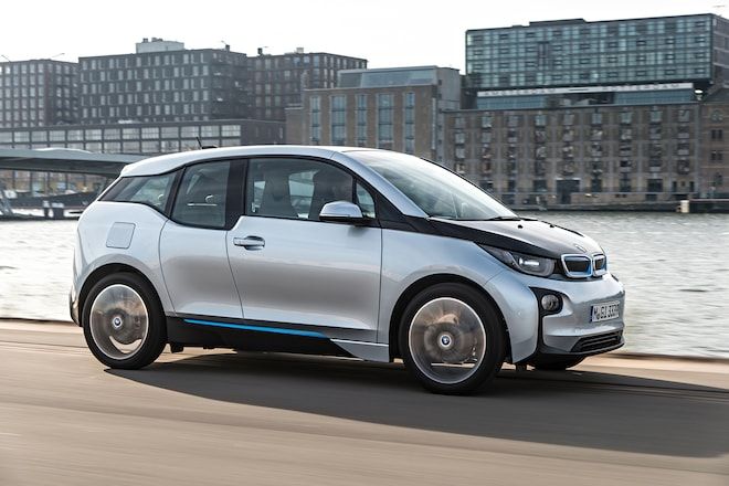 2014 BMW I3 EDrive Passengers Side In Motion1