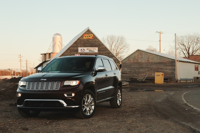 2014 Jeep Grand Cherokee EcoDiesel Front Three Quarters