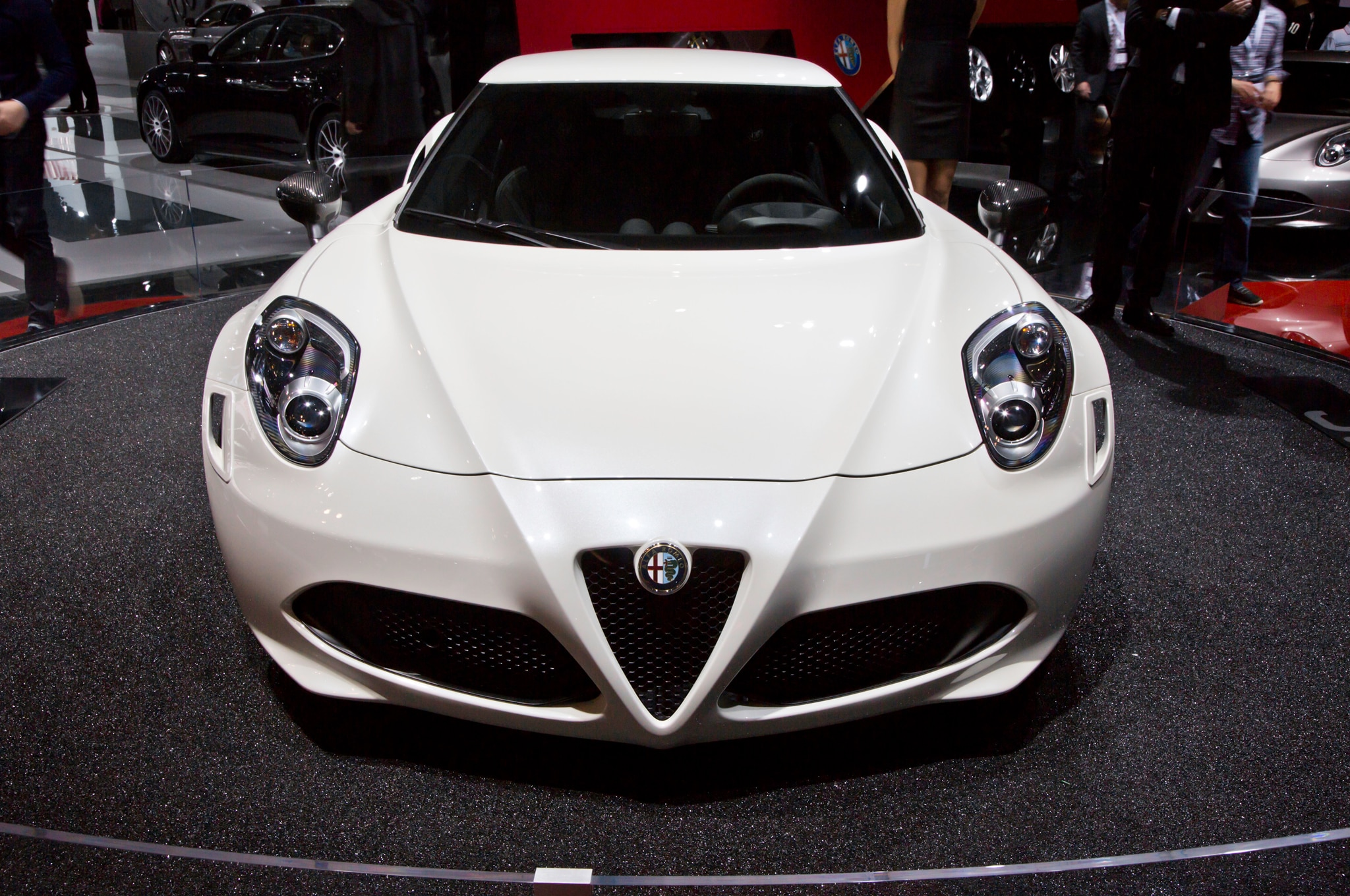 2015 Alfa Romeo 4C Launch Edition Front End1