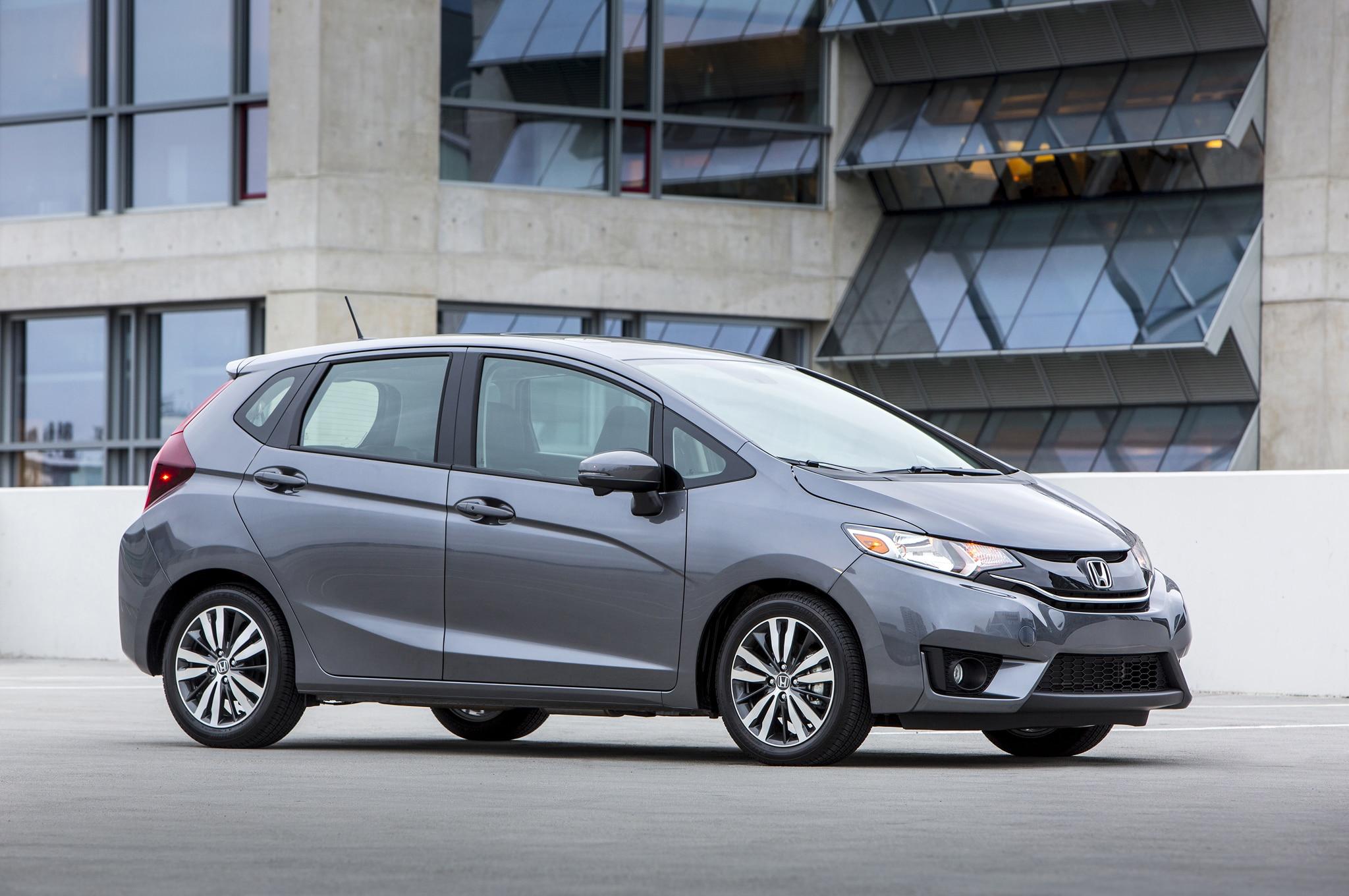 2015 Honda Fit Side Profile3