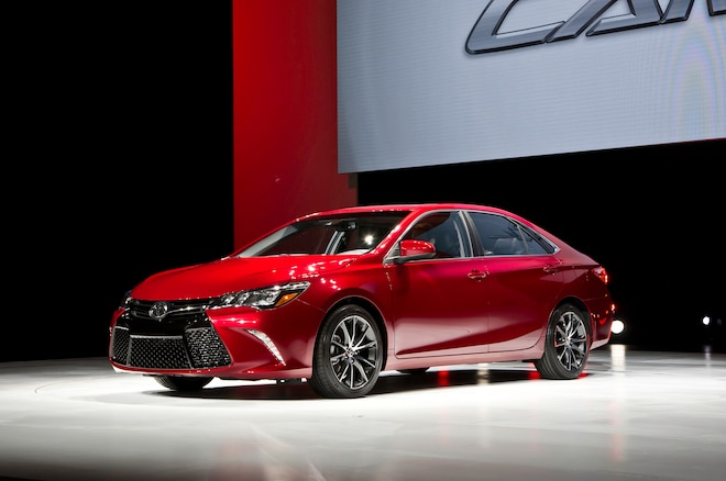 2015 Toyota Camry Front Three Quarters1