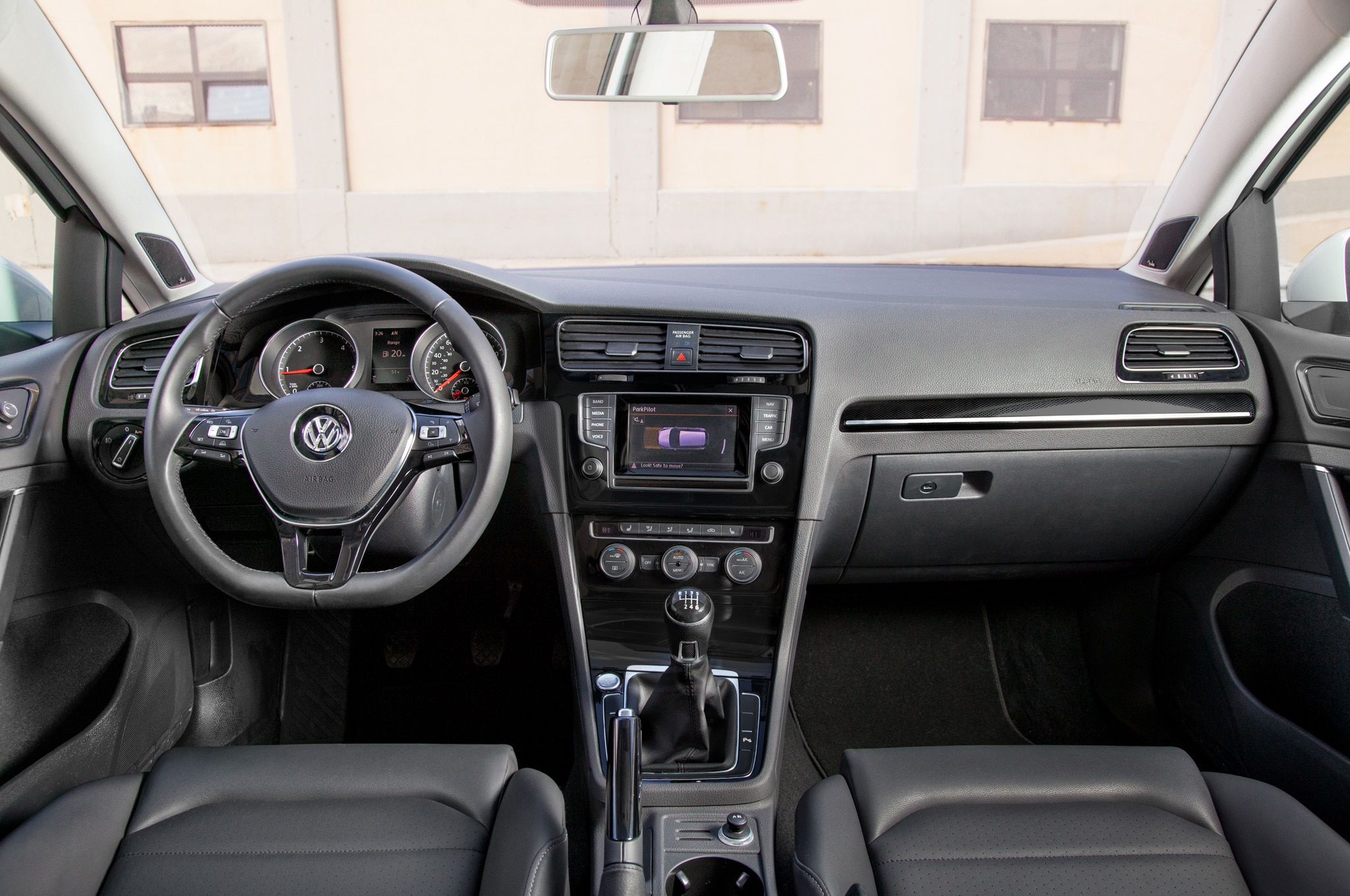 2015 Volkswagen Golf Launch Edition Priced At 18 815