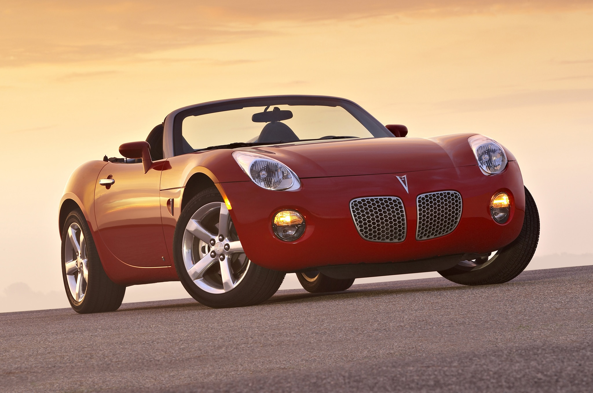 2007 Pontiac Solstice Front Three Quarter1