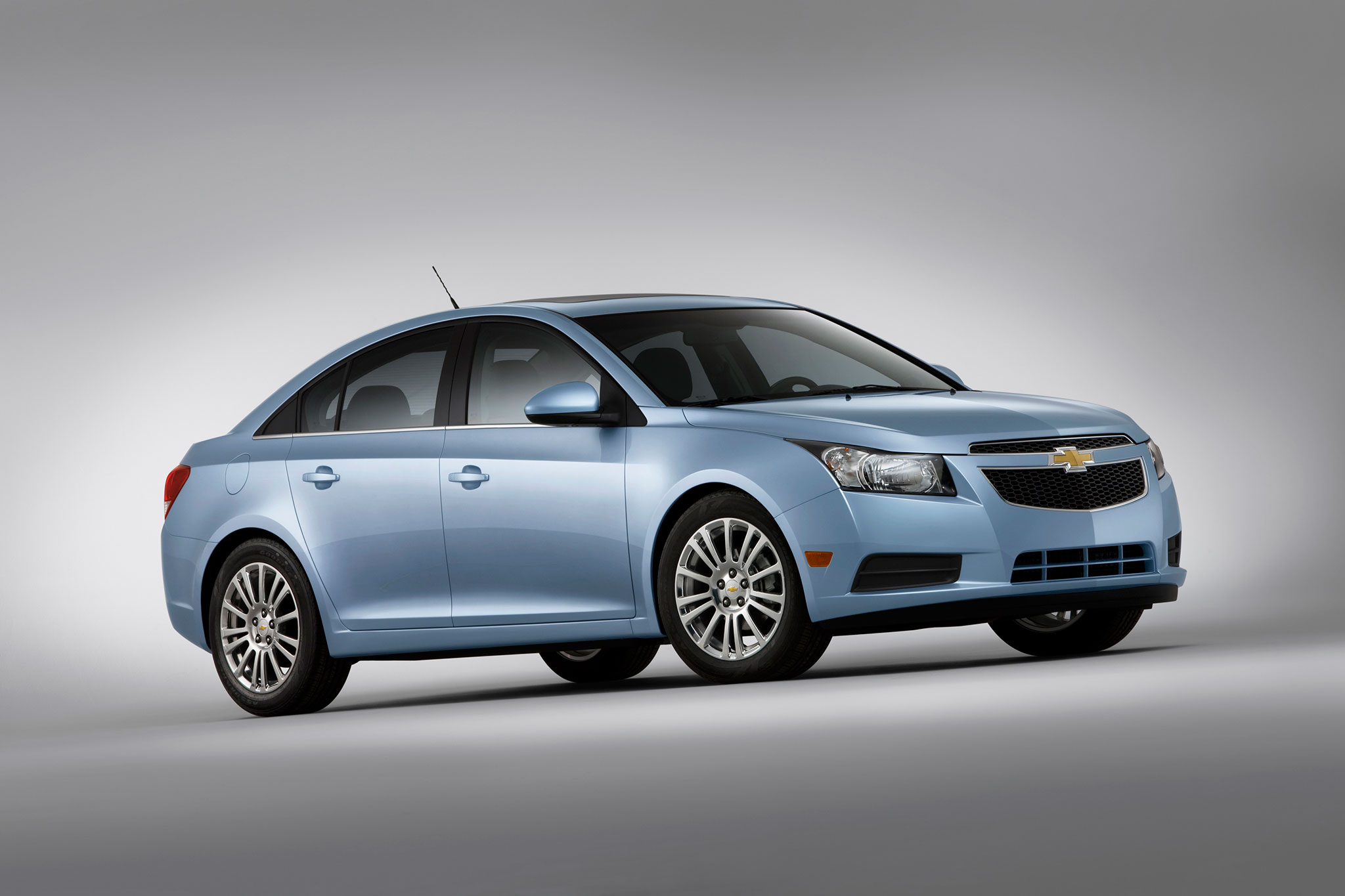 GM Stops Sale of 2013 14 Chevrolet Cruze Due to Takata Airbag Defect