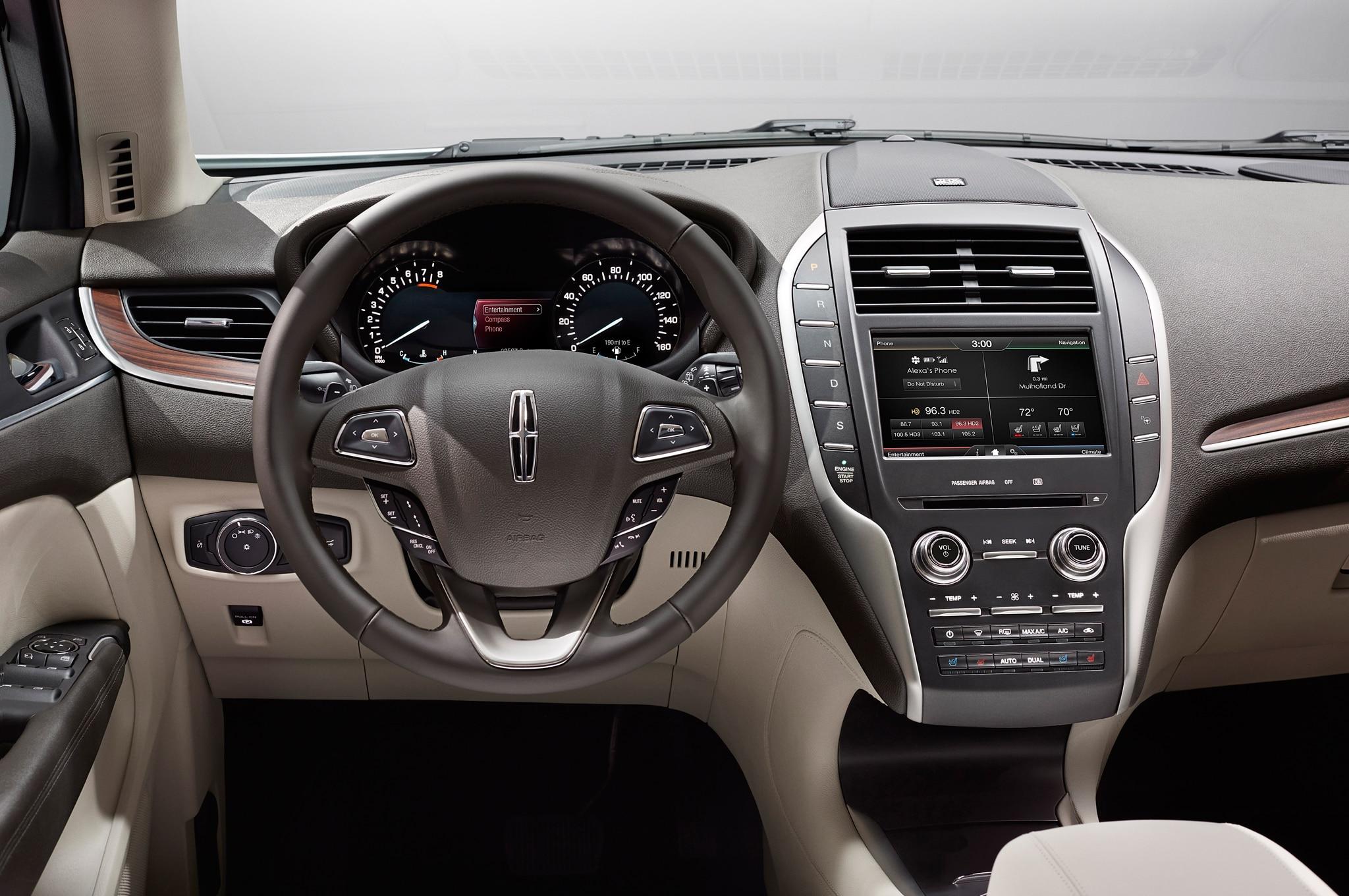 https://st.automobilemag.com/uploads/sites/11/2014/06/2015-Lincoln-MKC-cockpit.jpg