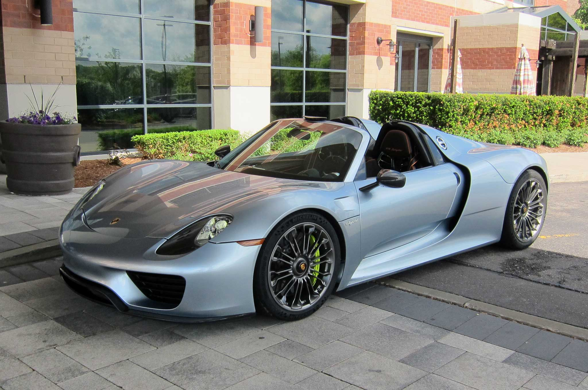 S1nn Explains The Porsche 918 Spyder Infotainment System Automobile