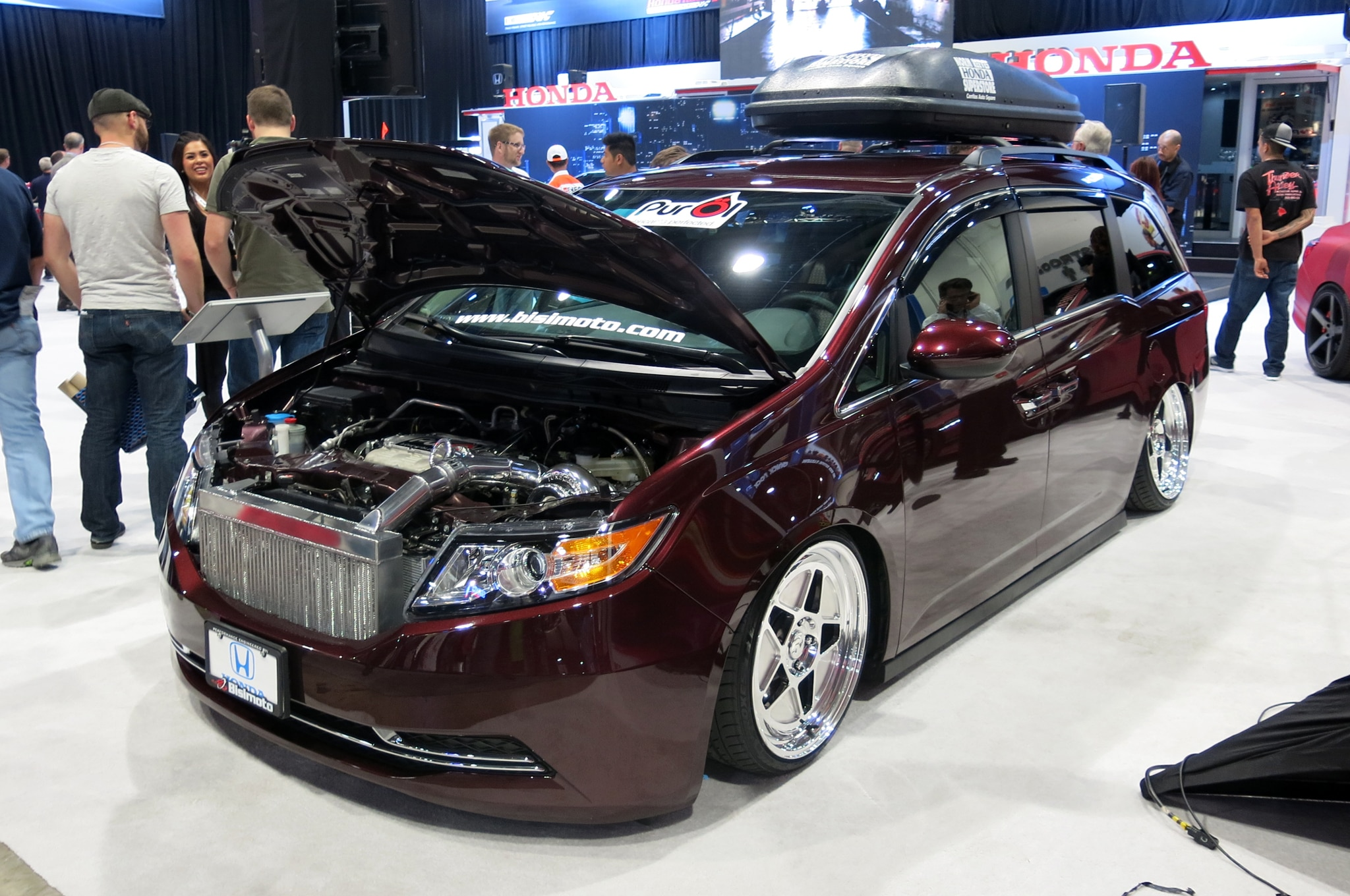 watch this 1029 hp honda odyssey do burnouts. Black Bedroom Furniture Sets. Home Design Ideas