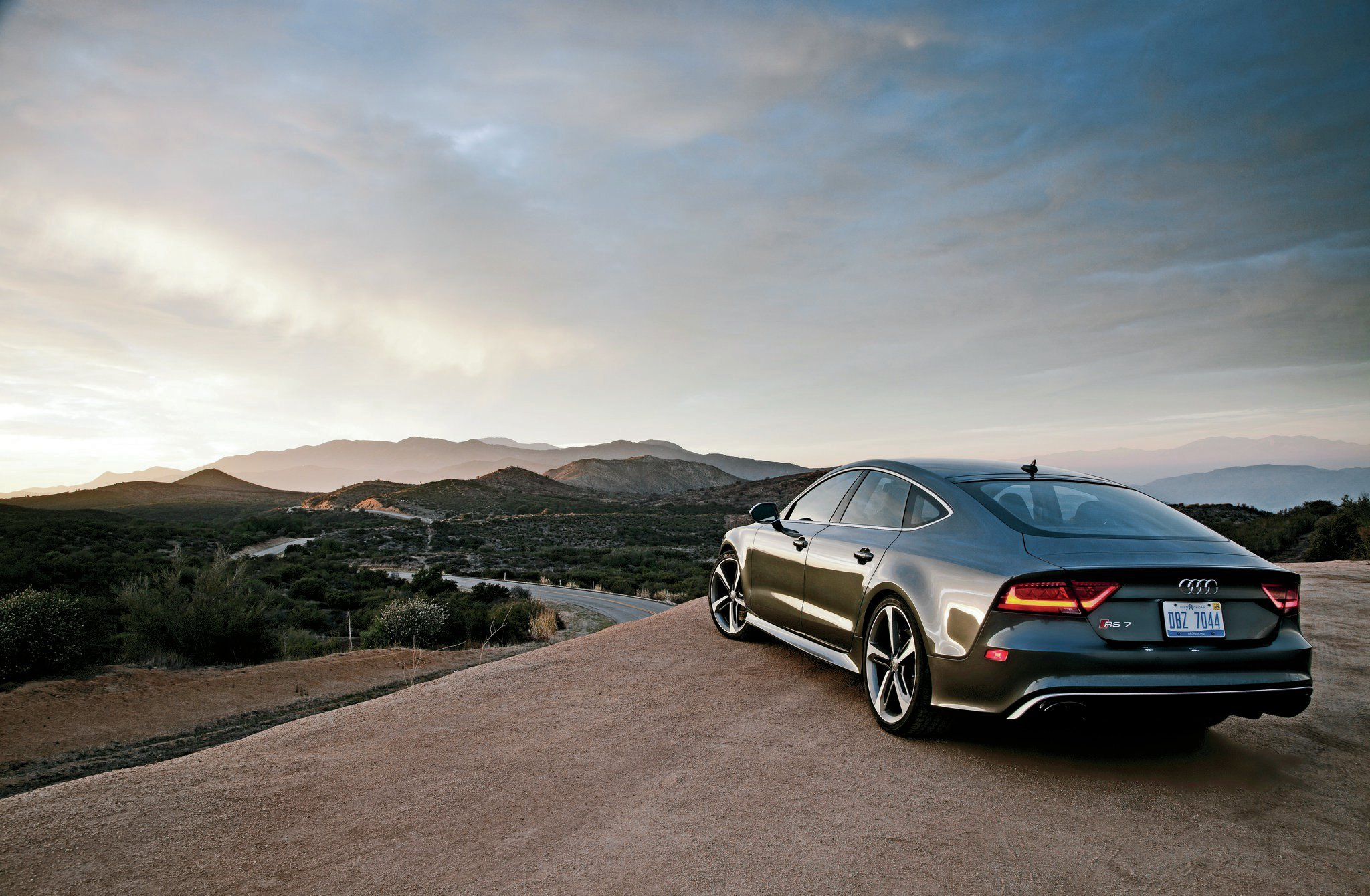 2014 Audi RS 7 Rear Three Quarters
