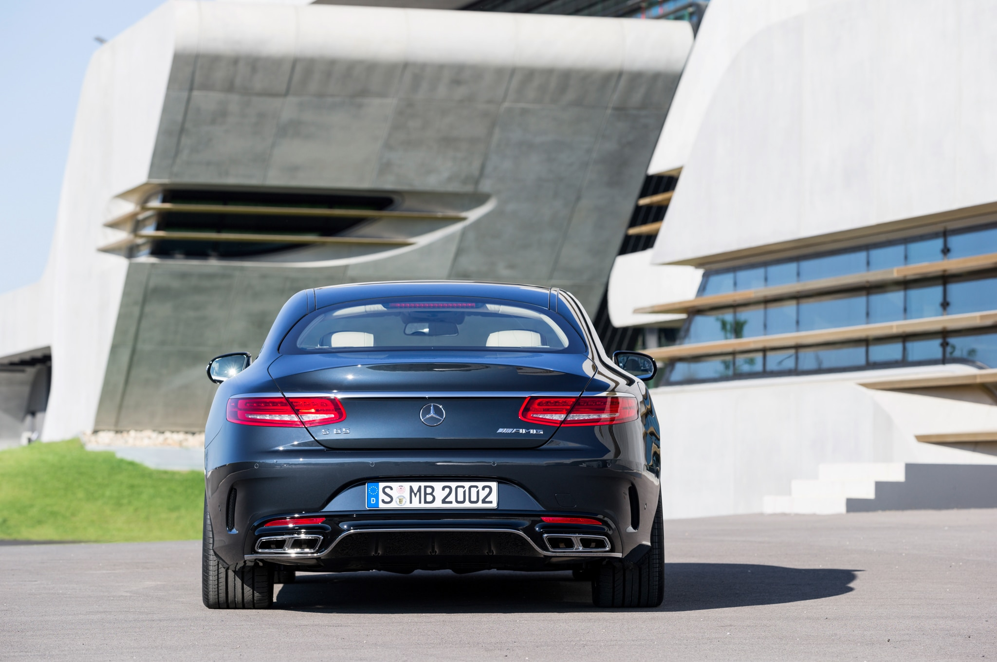 https://st.automobilemag.com/uploads/sites/11/2014/07/2015-Mercedes-Benz-S65-AMG-Coupe-rear-end-02.jpg