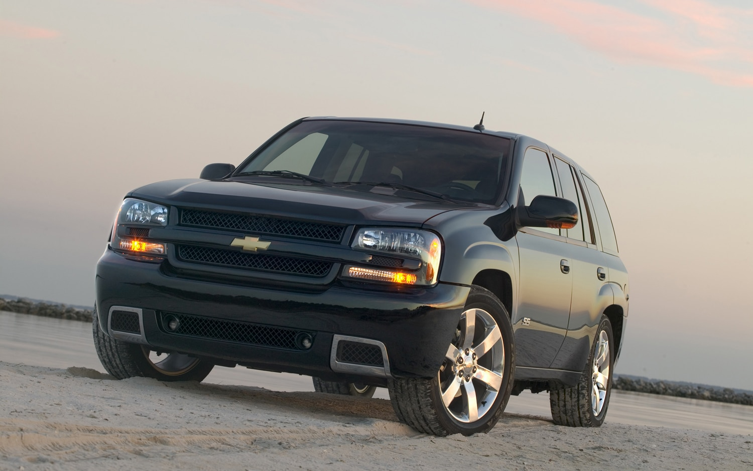 2006 Chevrolet Trailblazer SS Front View1