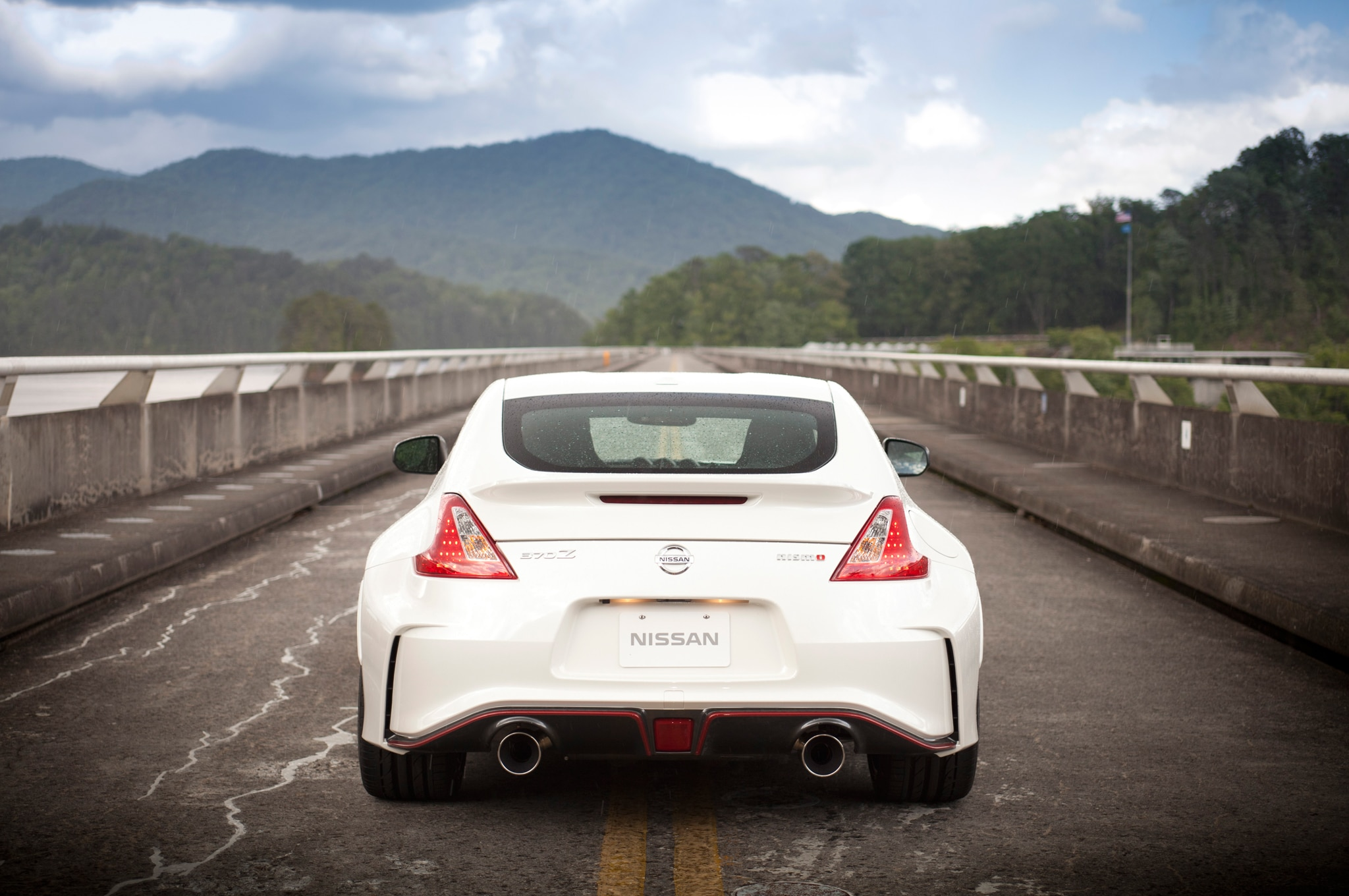 Report Nissan Z35 Will Have Retractable Top Hybrid