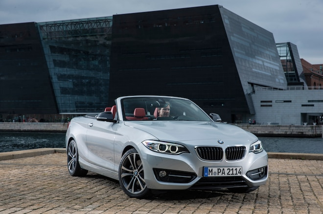 2015 BMW 2 Series Convertible Front Three Quarters 051