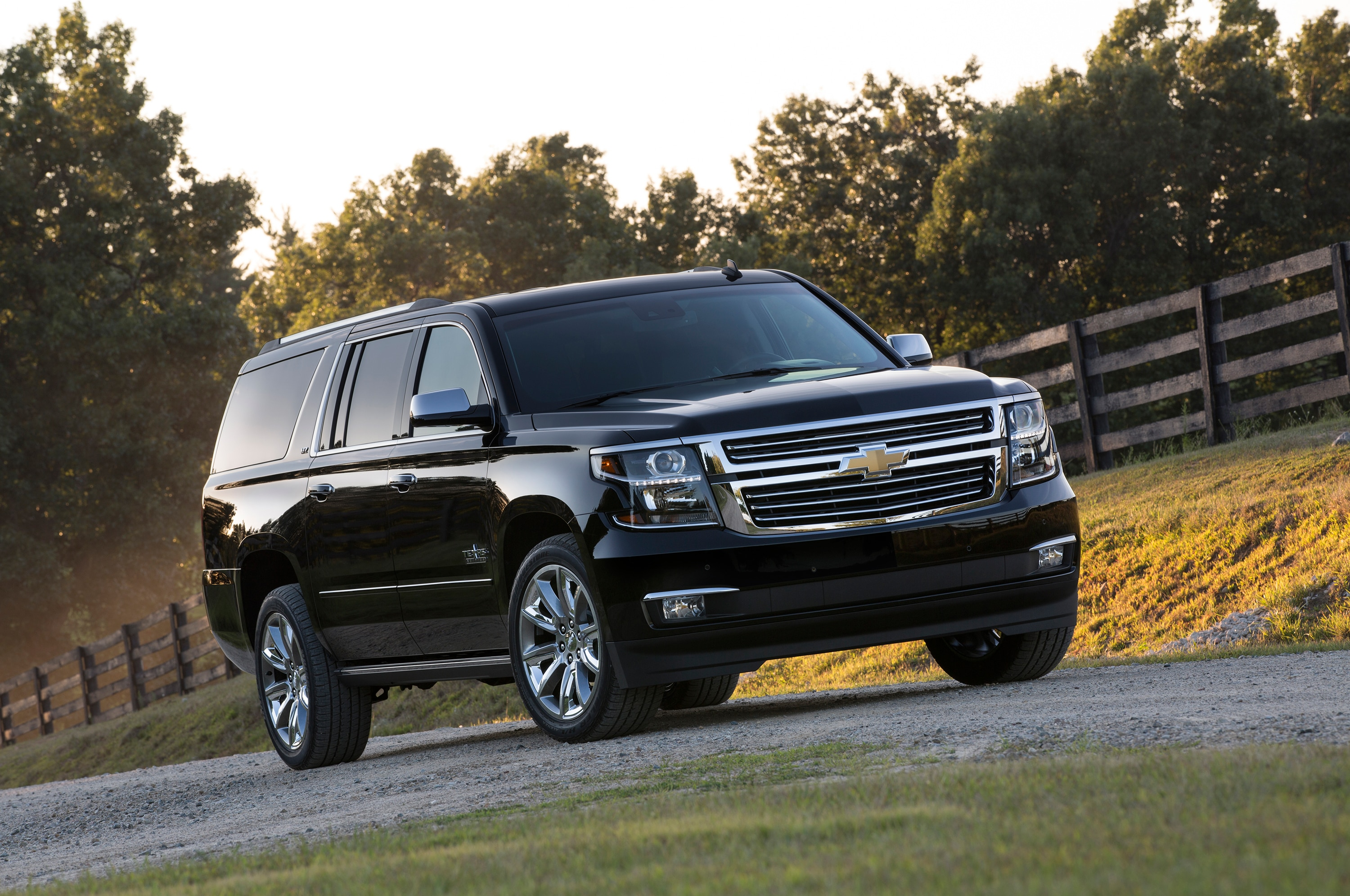 2015 Chevrolet Tahoe, Suburban Z71 and Texas Edition Announced