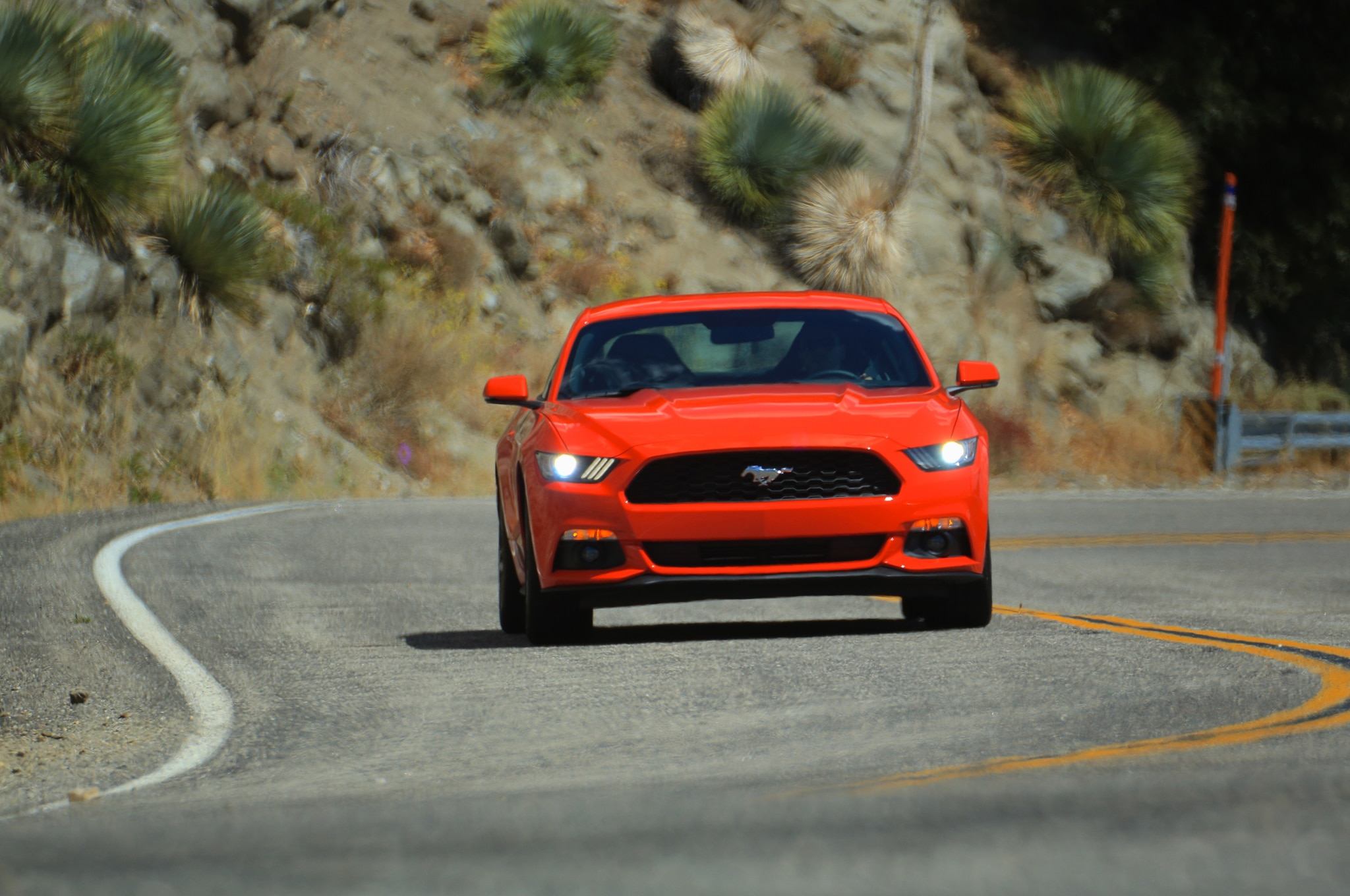 2015 Ford Mustang EcoBoost Front End In Motion 02