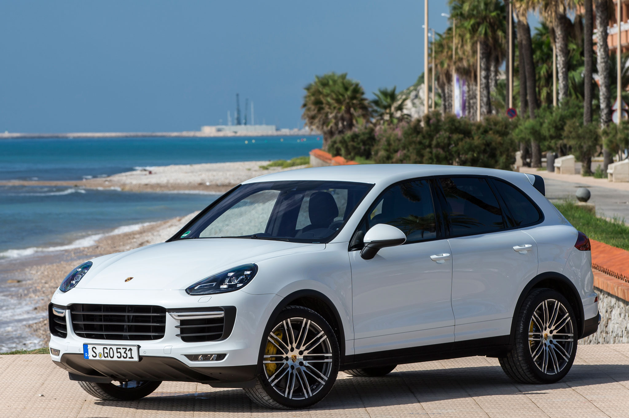 2015 porsche cayenne s turbo review. Black Bedroom Furniture Sets. Home Design Ideas