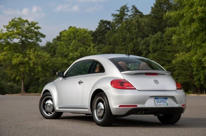 2015 Volkswagen Beetle Classic rear three quarter