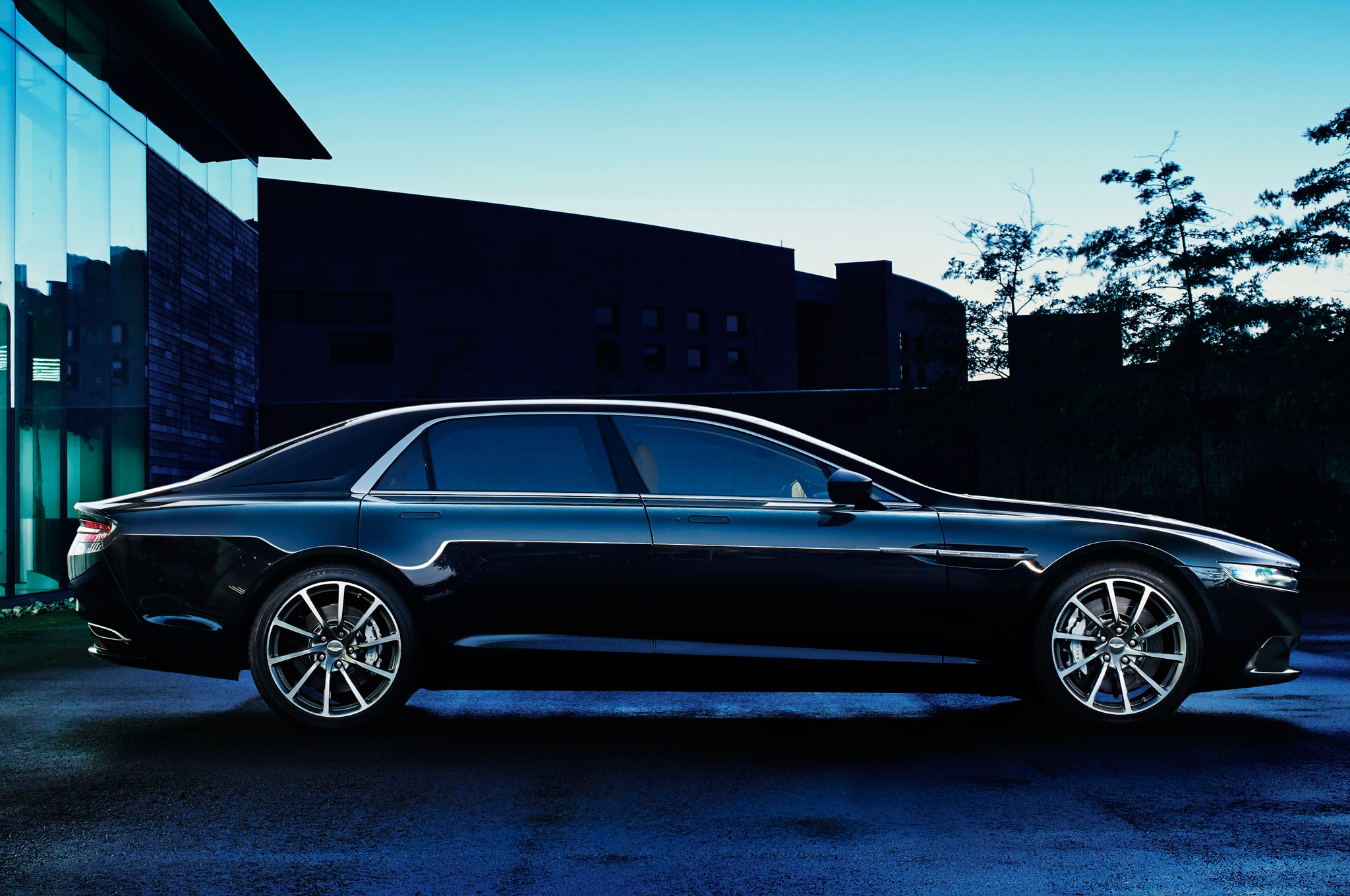 Aston Martin Lagonda Production Model Shown - Aston martin lagonda price