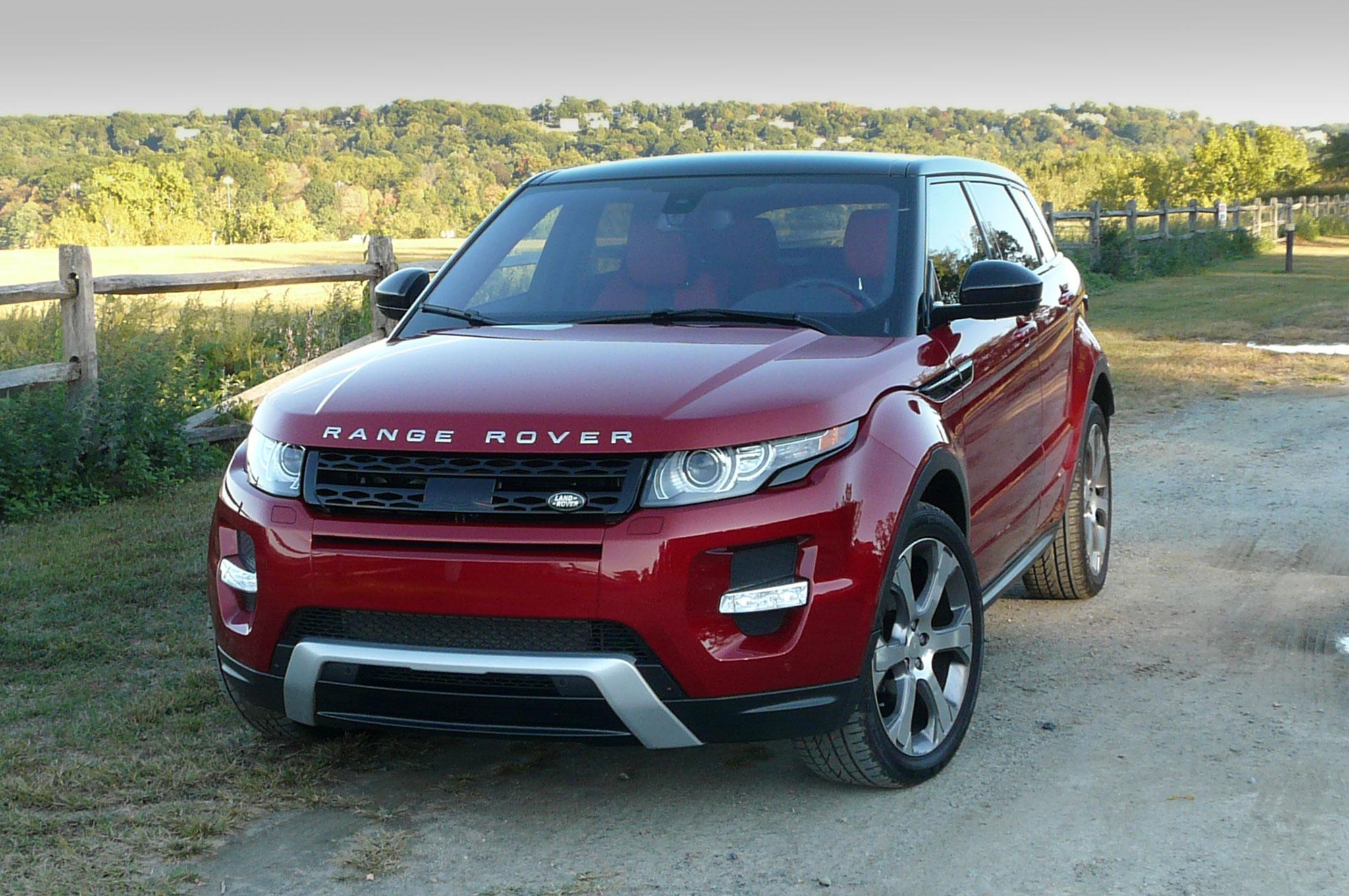 2014 Land Rover Range Rover Evoque Front Three Quarter View 3