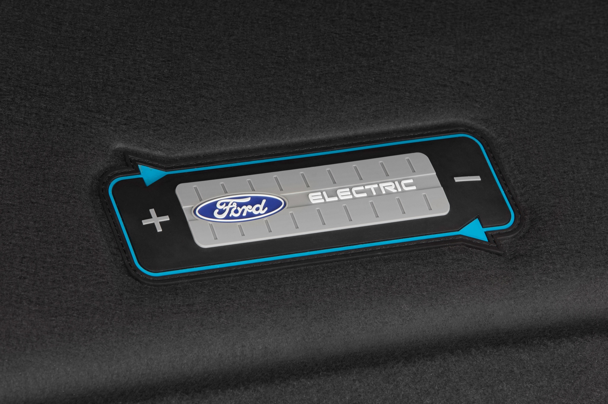 2015 Ford Focus Electric Interior Cord Cover Badge