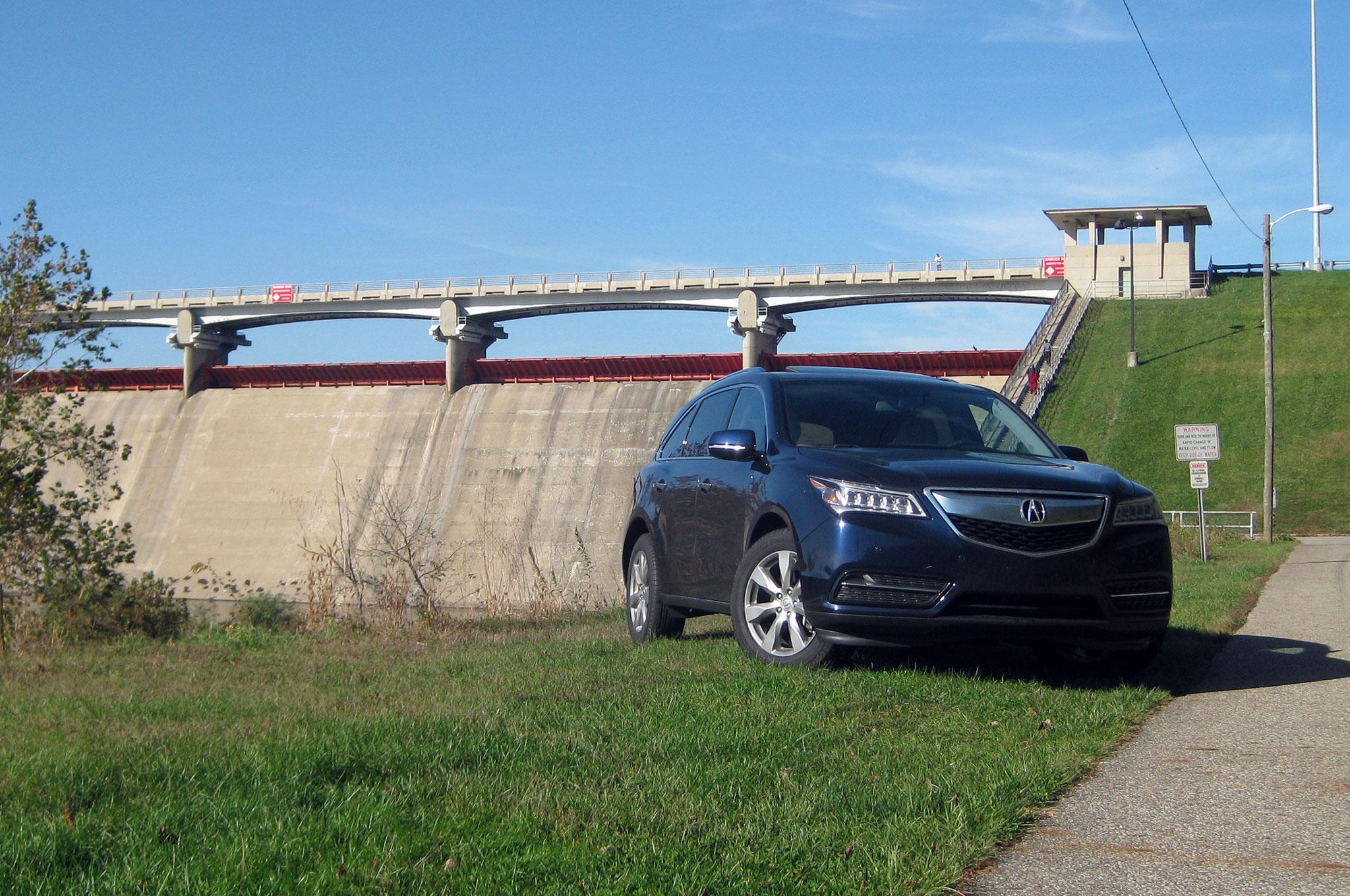 2014 Acura MDX Front Three Quarter 2