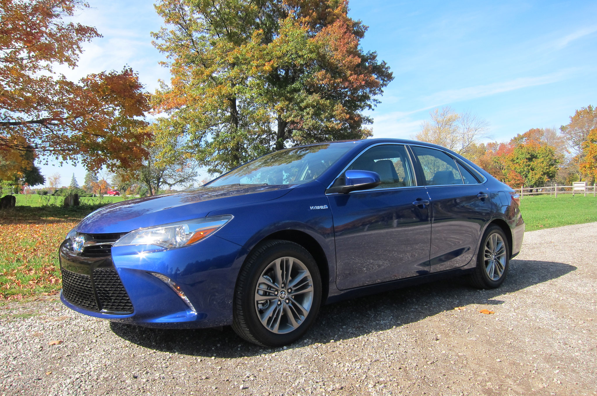 2015 toyota camry hybrid se review. Black Bedroom Furniture Sets. Home Design Ideas