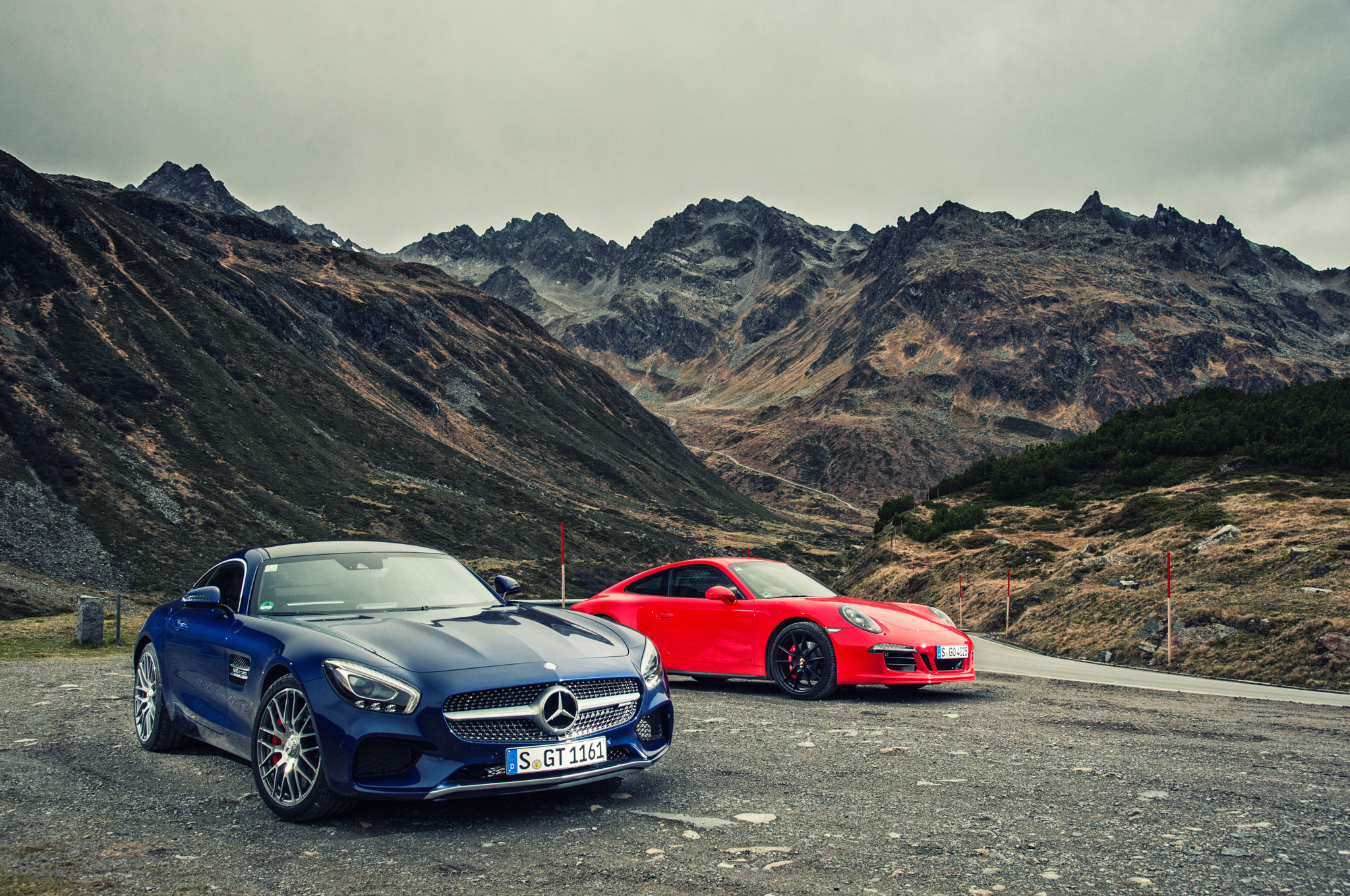 The New Rivalry 2016 Mercedes Amg Gt S Vs 2015 Porsche 911 Gts