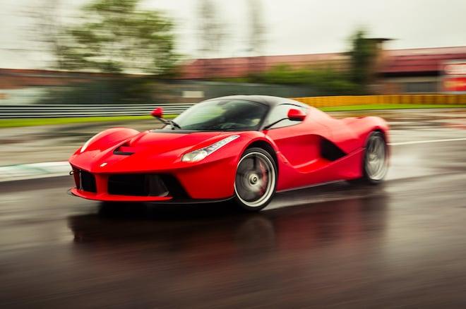 2014 Ferrari Laferrari Front Three Quarter Motion Track1