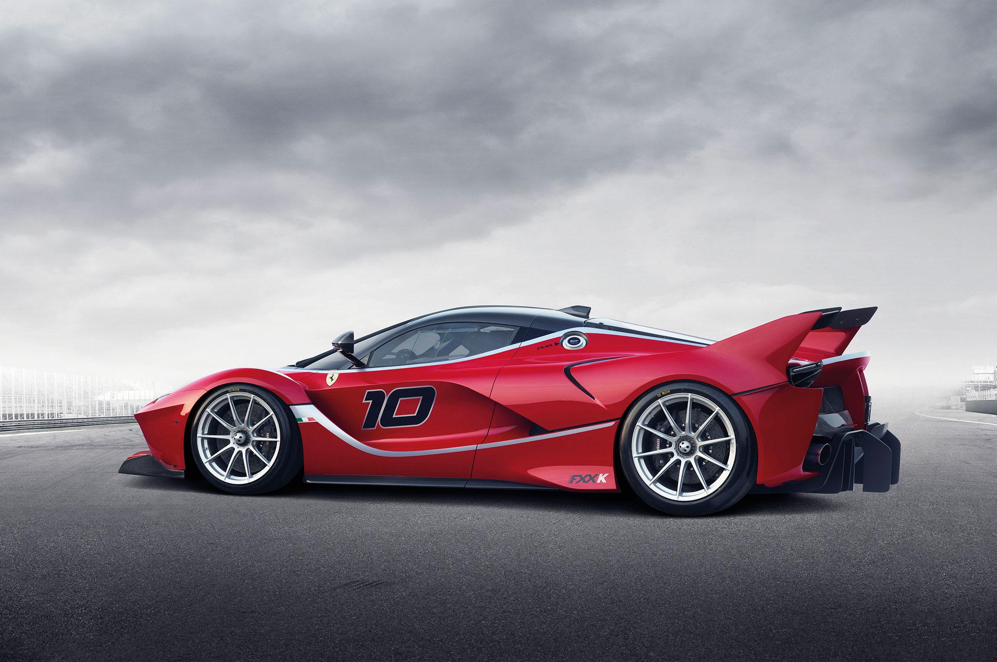 ferrari fxx k debuts in abu dhabi with 1035 hp