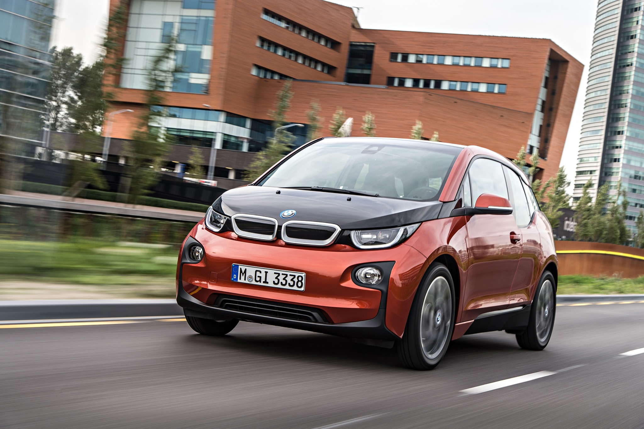 2014 BMW I3 EDrive Front View In Motion Low 11