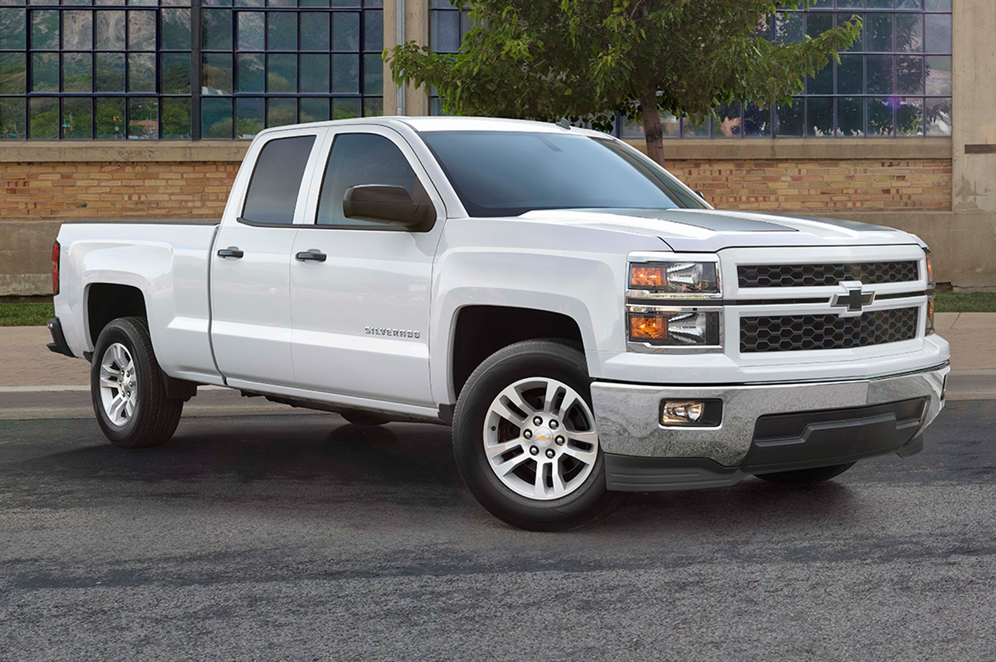 2015 Chevrolet Silverado Adds Custom Sport Special Edition