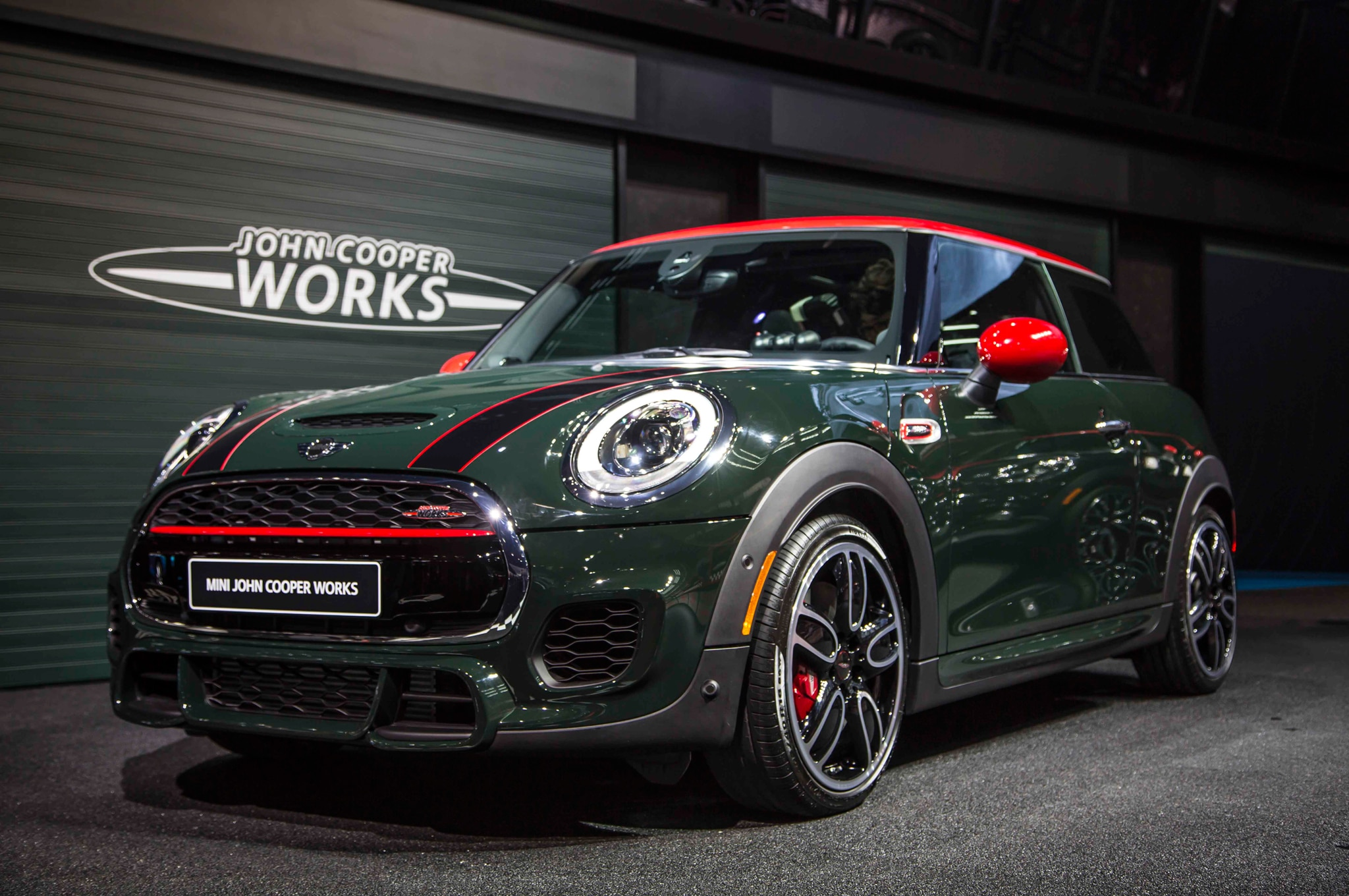 2015 mini john cooper works hardtop priced from 31 450. Black Bedroom Furniture Sets. Home Design Ideas