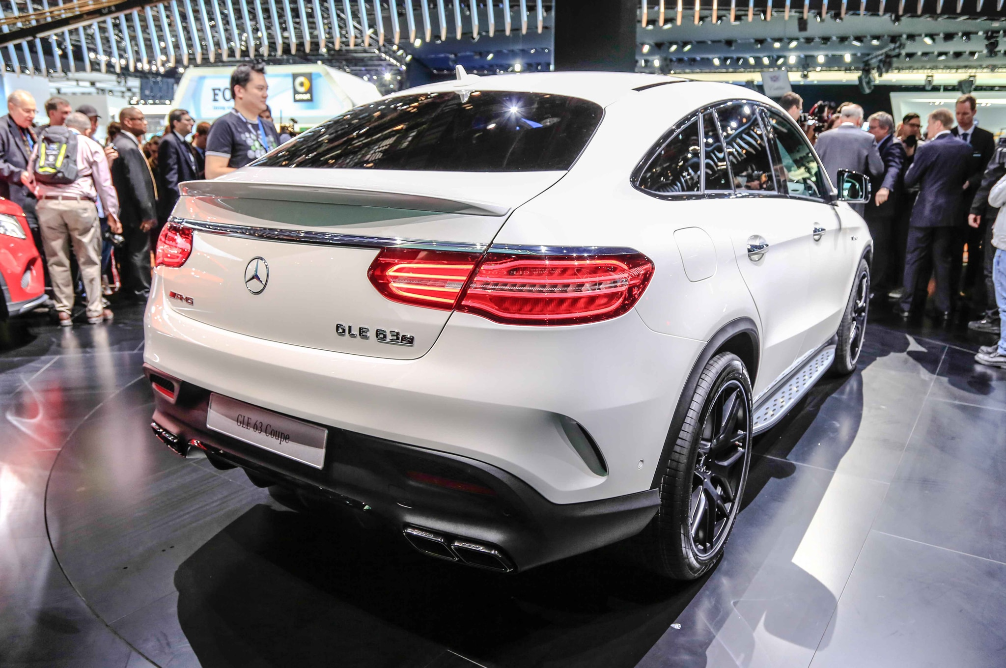 https://st.automobilemag.com/uploads/sites/11/2015/01/2016-Mercedes-Benz-GLE63-S-AMG-4Matic-rear-three-quarter.jpg