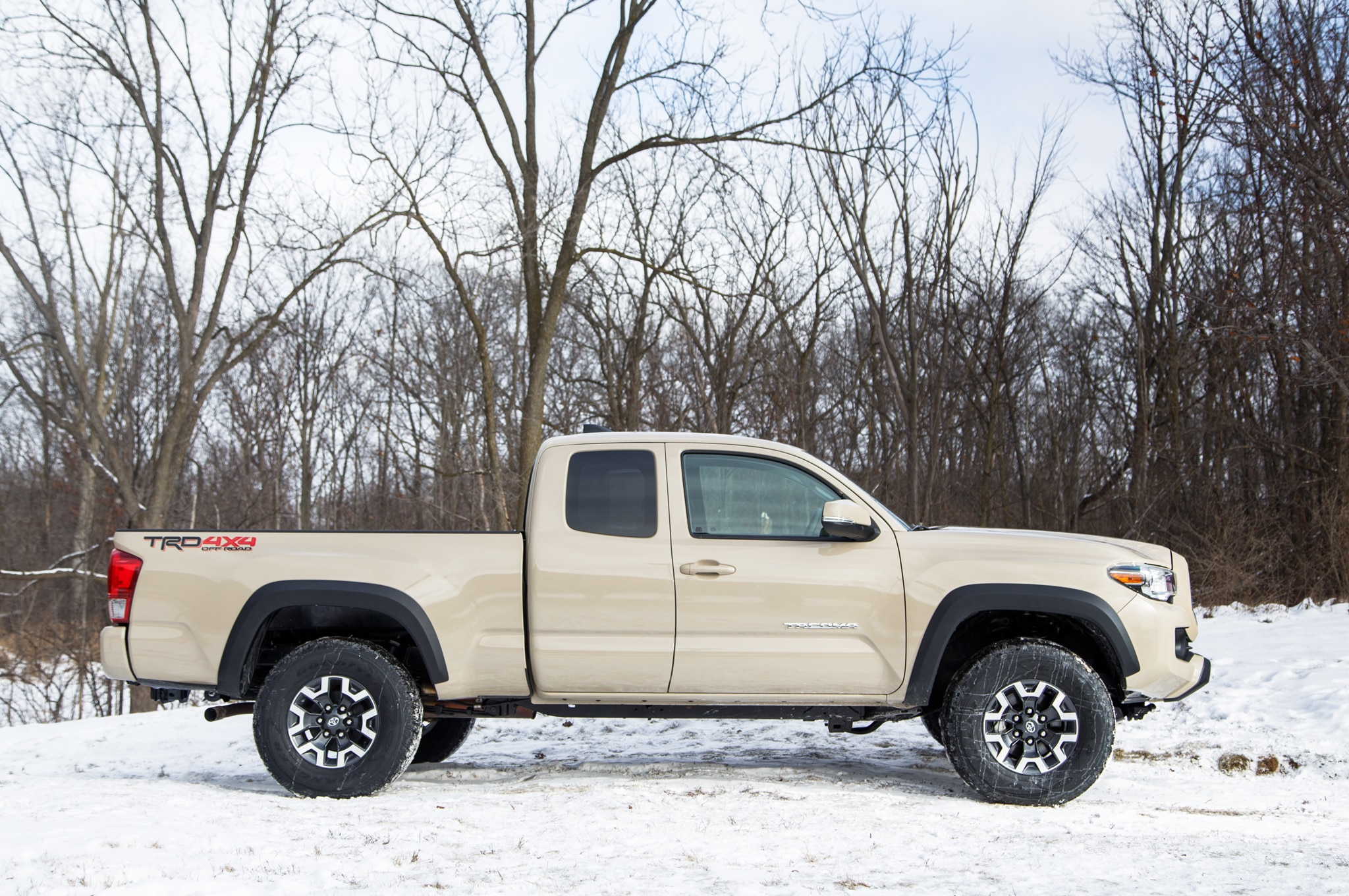 2016 Toyota Tacoma Adds New V-6 Engine, Six-Speed ...