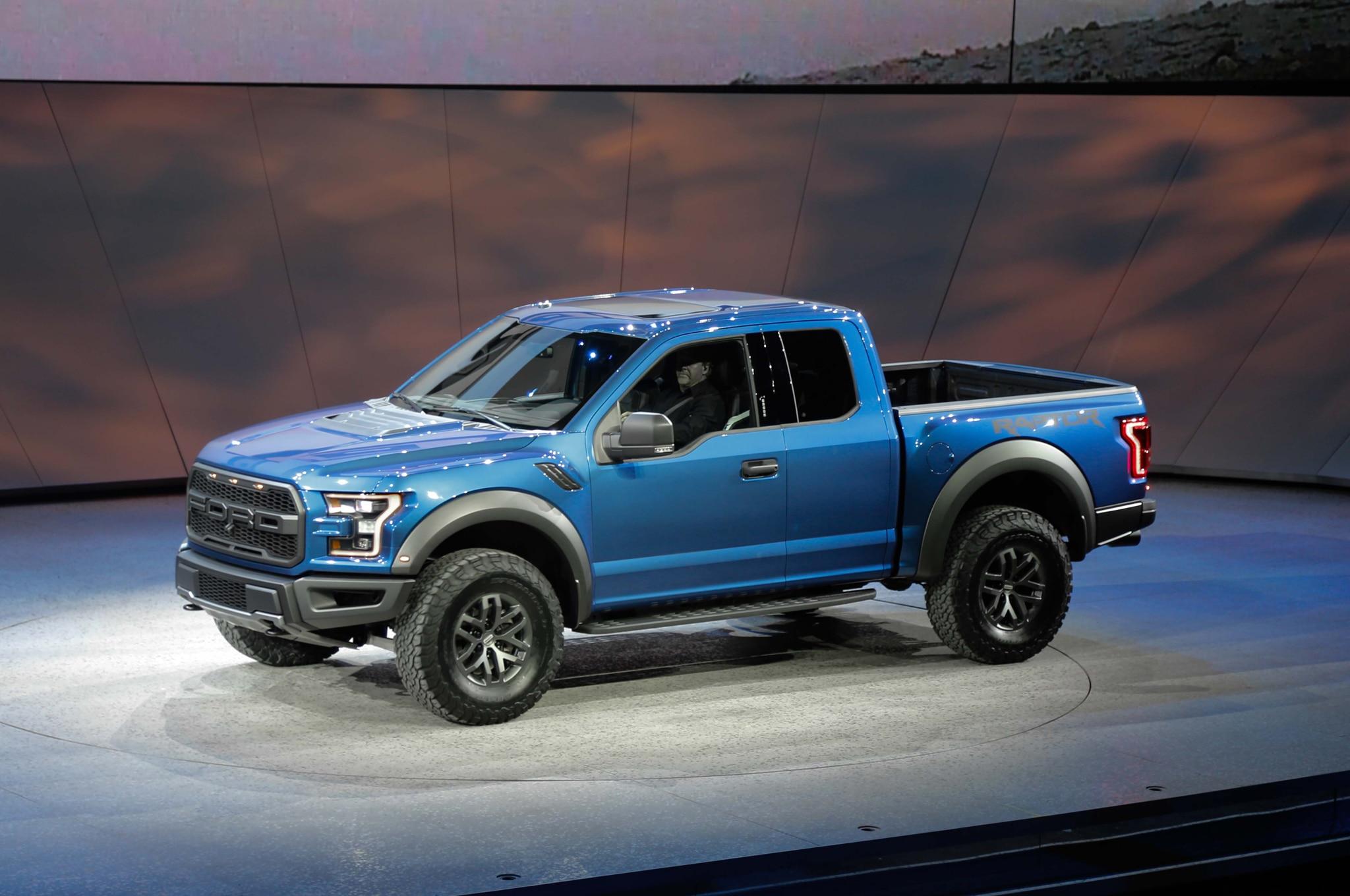 2017 Ford Raptor Mpg >> 2017 Ford F-150 SVT Raptor Adds 3.5-Liter EcoBoost, 10 ...