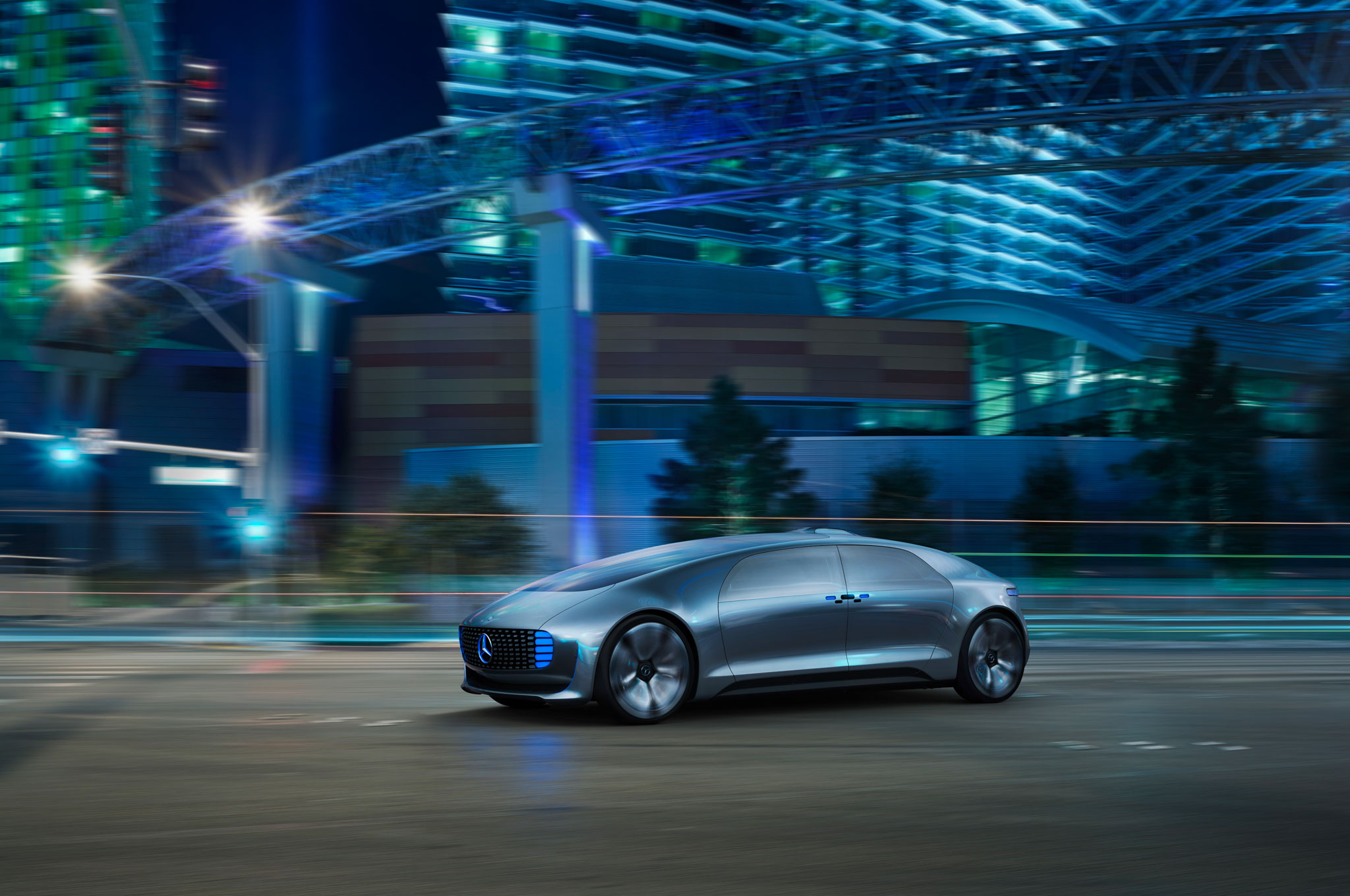 Mercedes Benz F 015 Luxury In Motion Concept Front Three Quarter In Motion 51