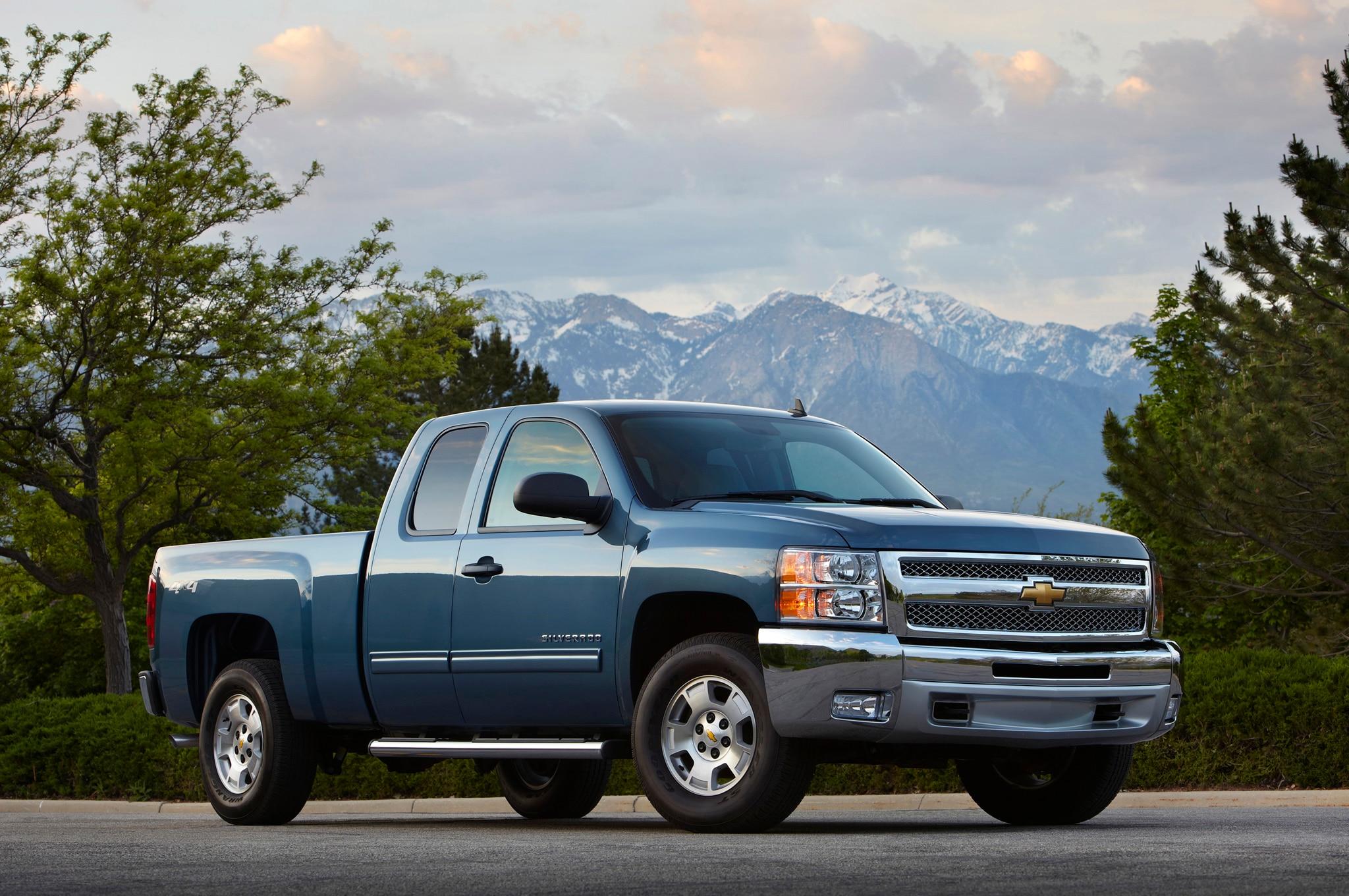 2015 Chevrolet Silverado Custom Adds 20-Inch Wheels ...