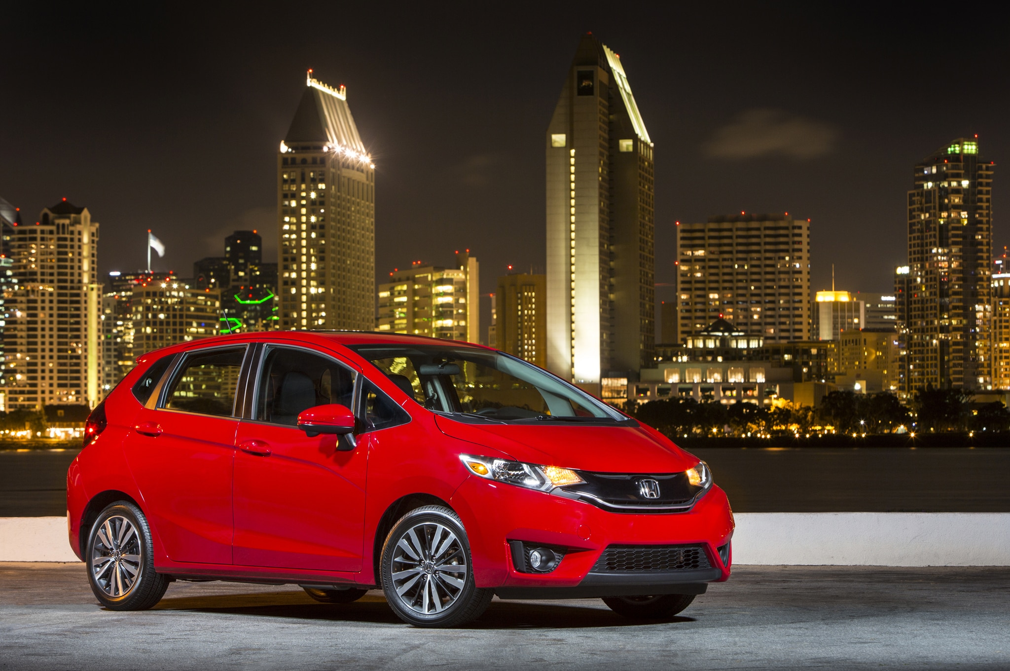 2015 Honda Fit Front Three Quarter 03