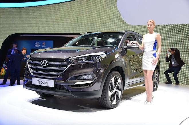 2016 Hyundai Tucson European Spec Front Three Quarter 021