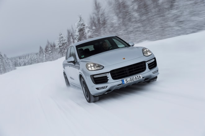 2016 Porsche Cayenne GTS Front End In Motion