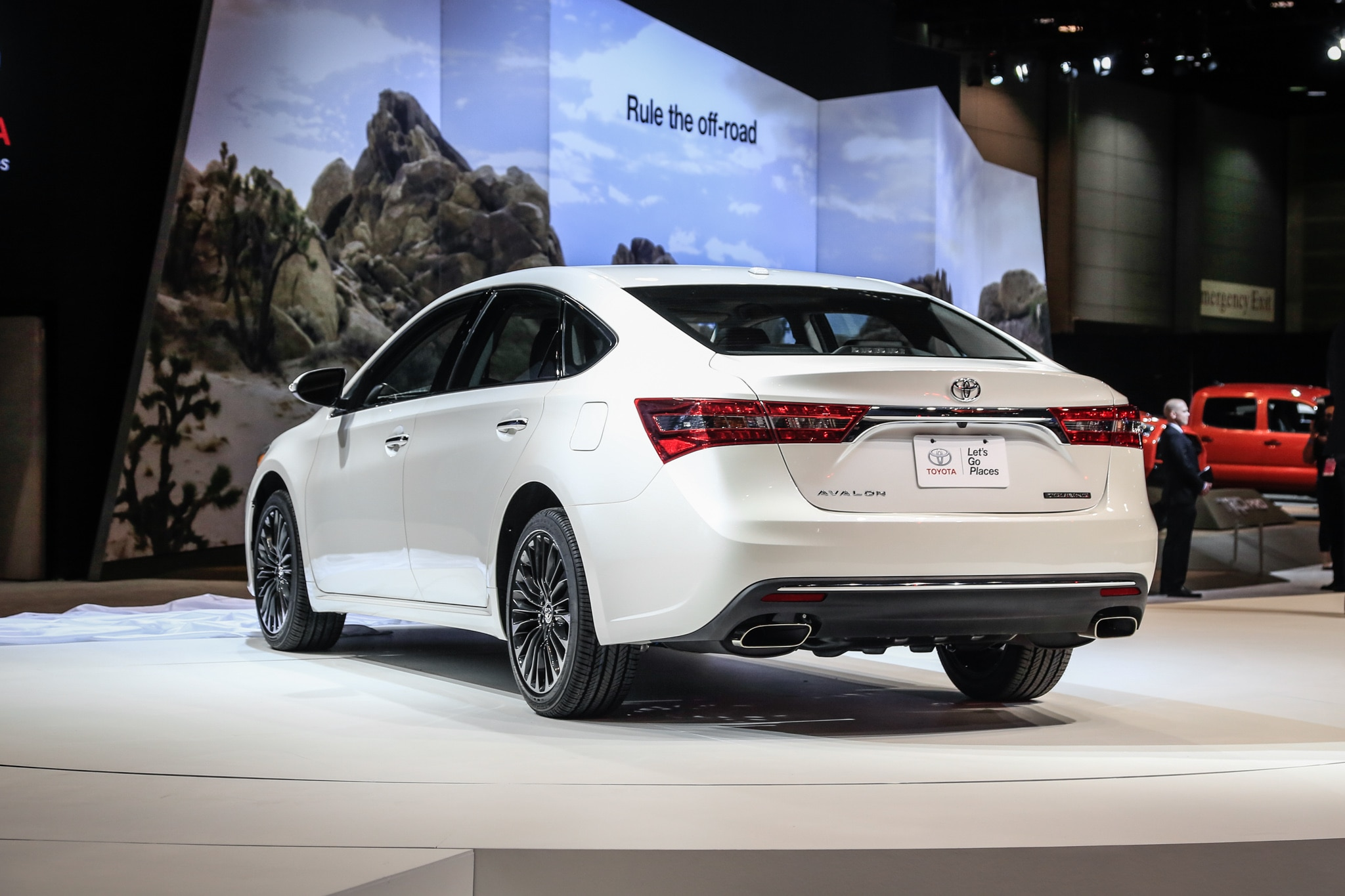 The 2016 Toyota Avalon Also